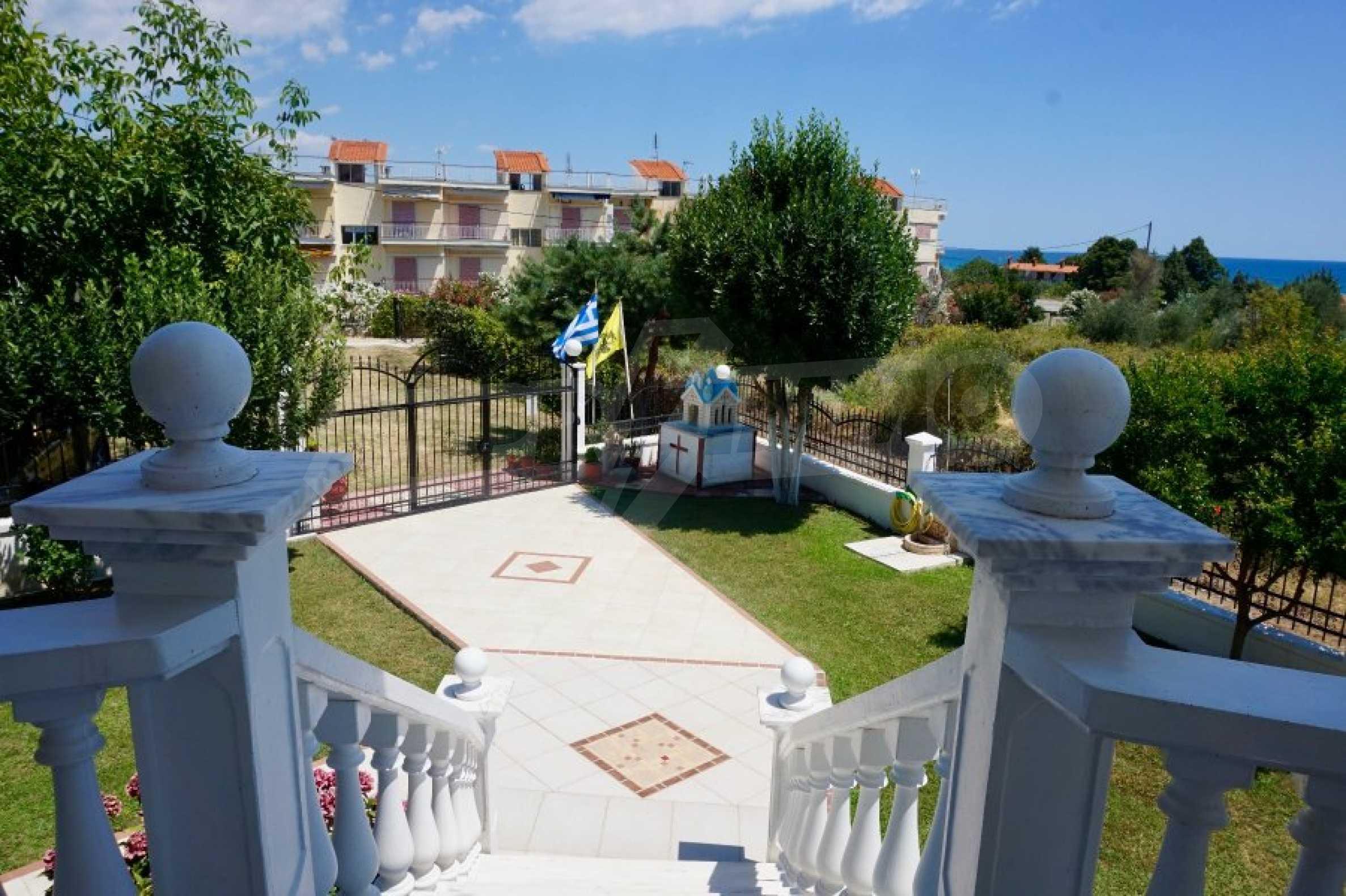 Къща с пет спални и панорамна гледка към морето 38