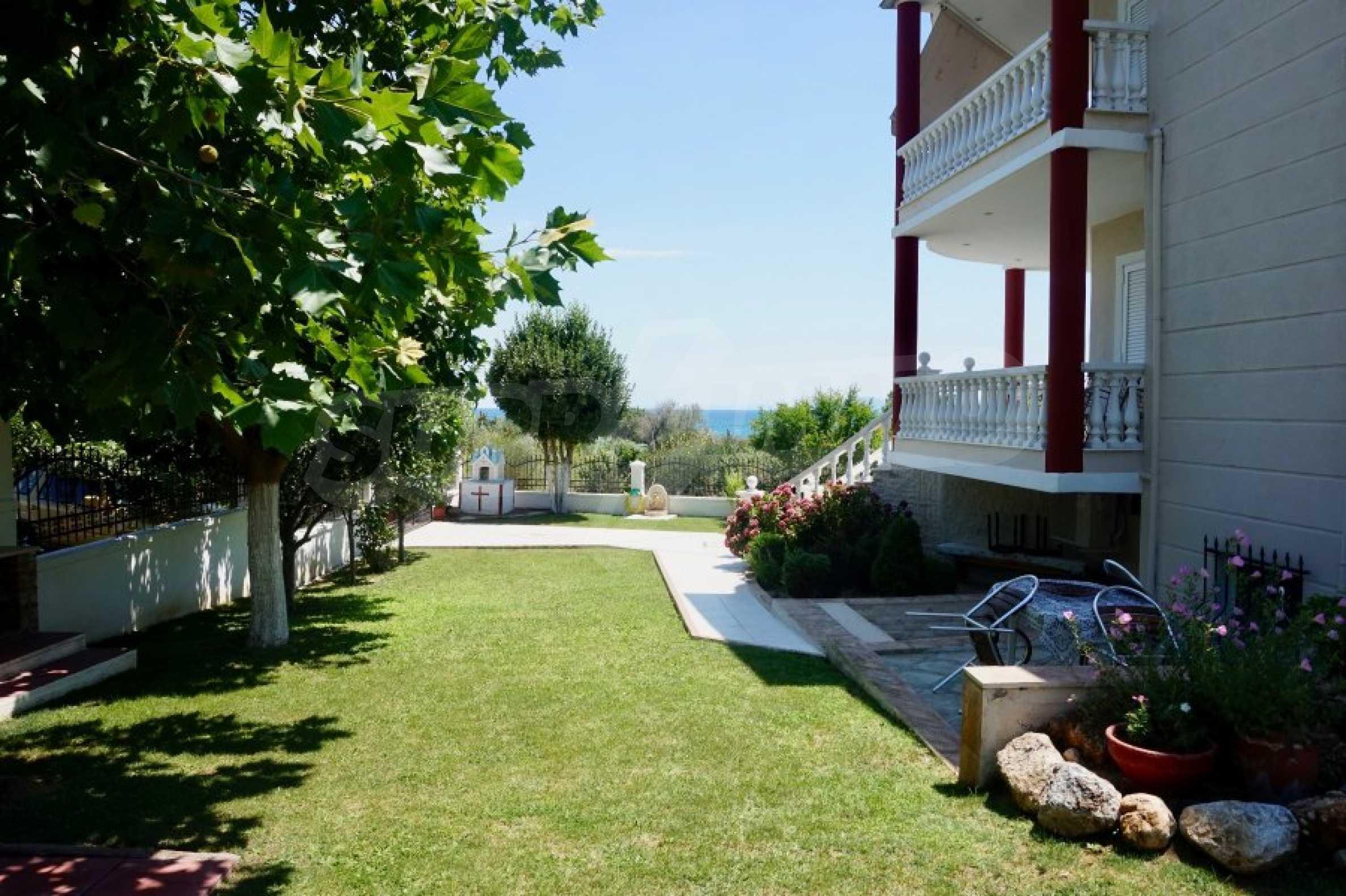 Къща с пет спални и панорамна гледка към морето 41