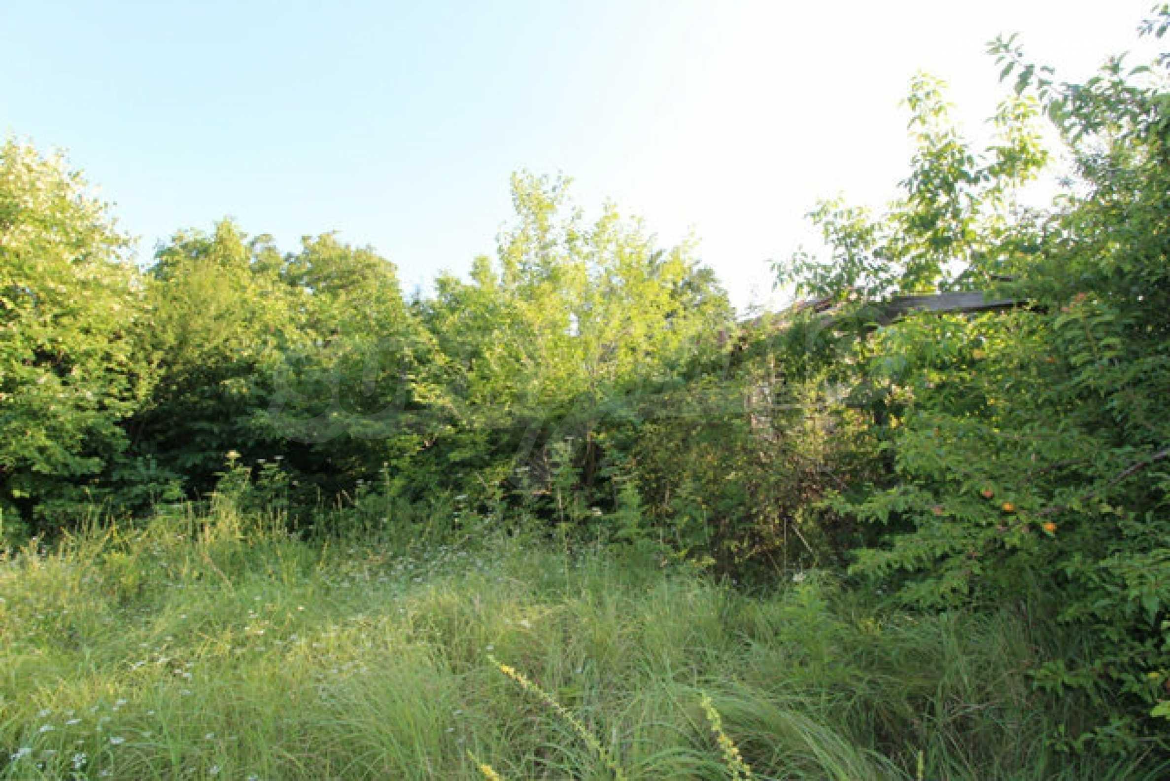 Масивна двуетажна къща в село на 10 км от Велико Търново 52