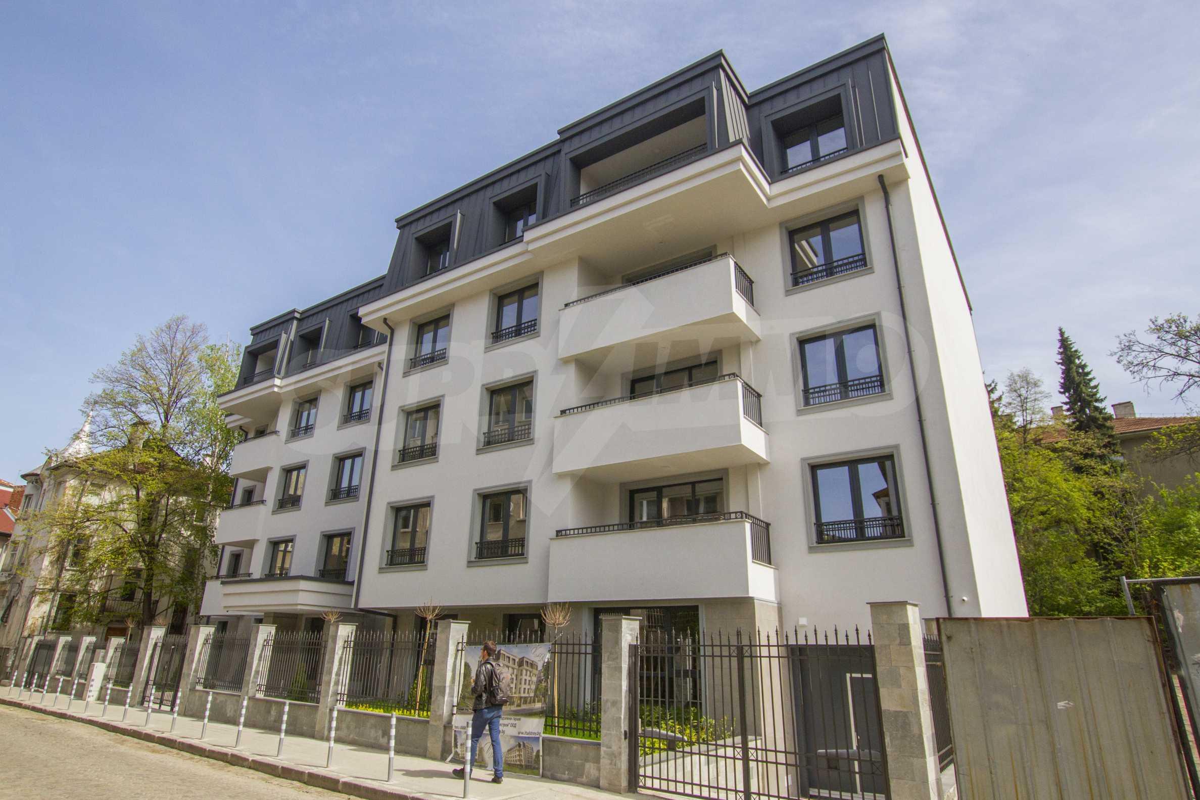 Бутикова сграда в най-комуникативната и зелена част на кв. Лозенец