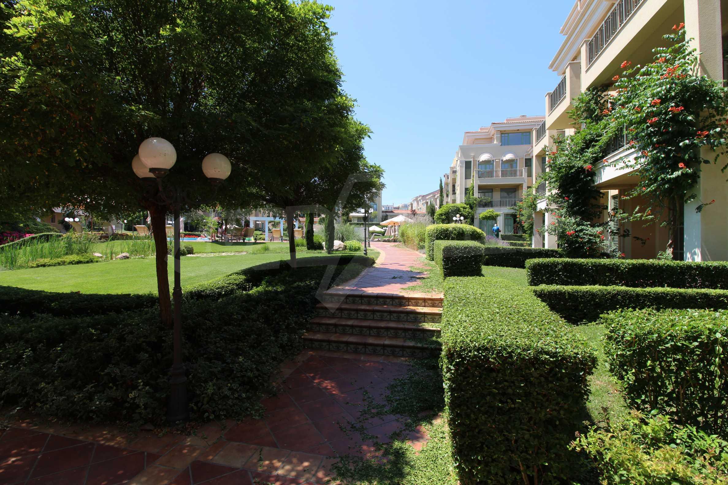 Апартамент в луксозен комплекс в гр. Черноморец 25