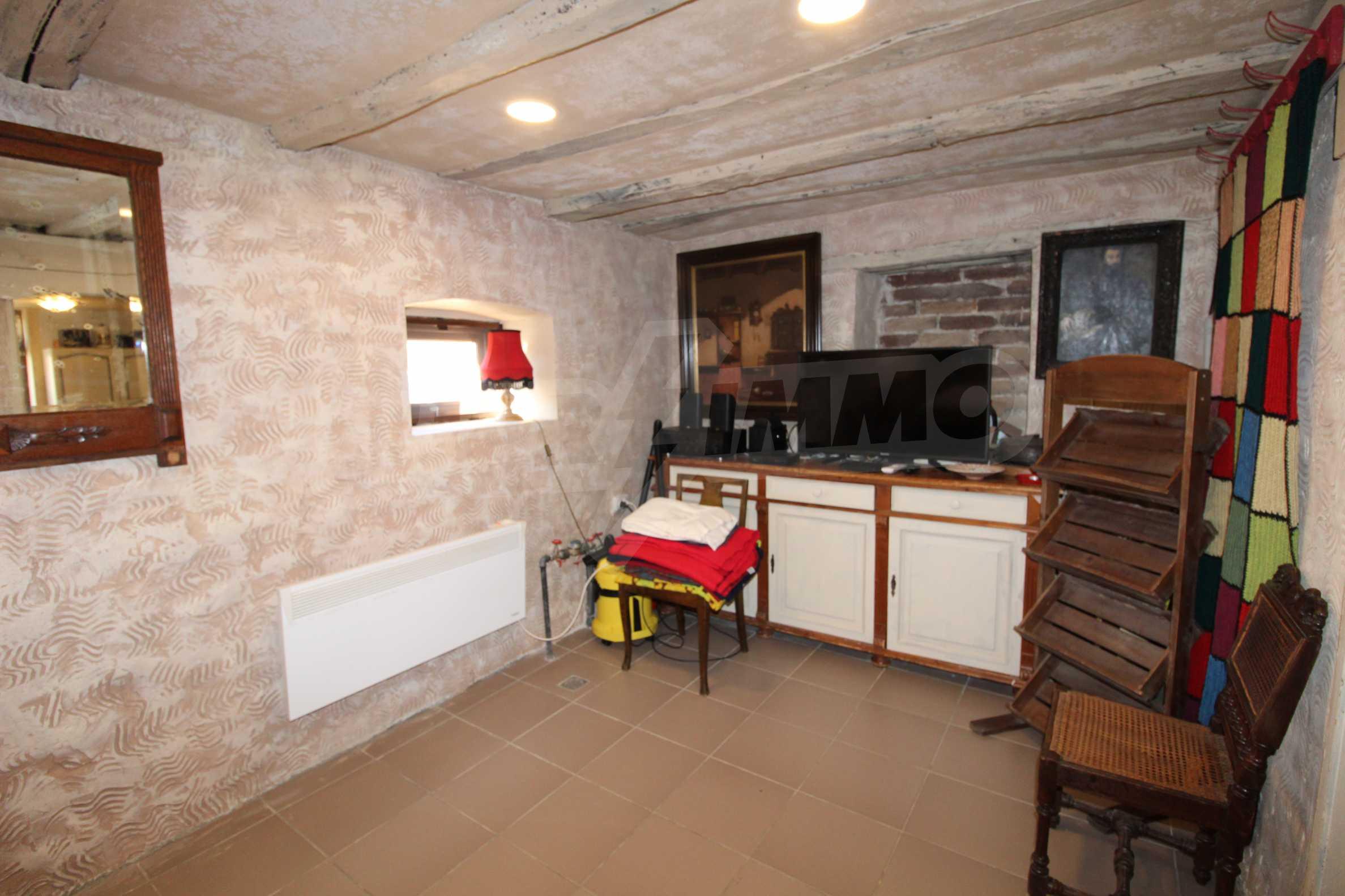 Стилно реновирана вила  само на 12 км. от В. Търново 15