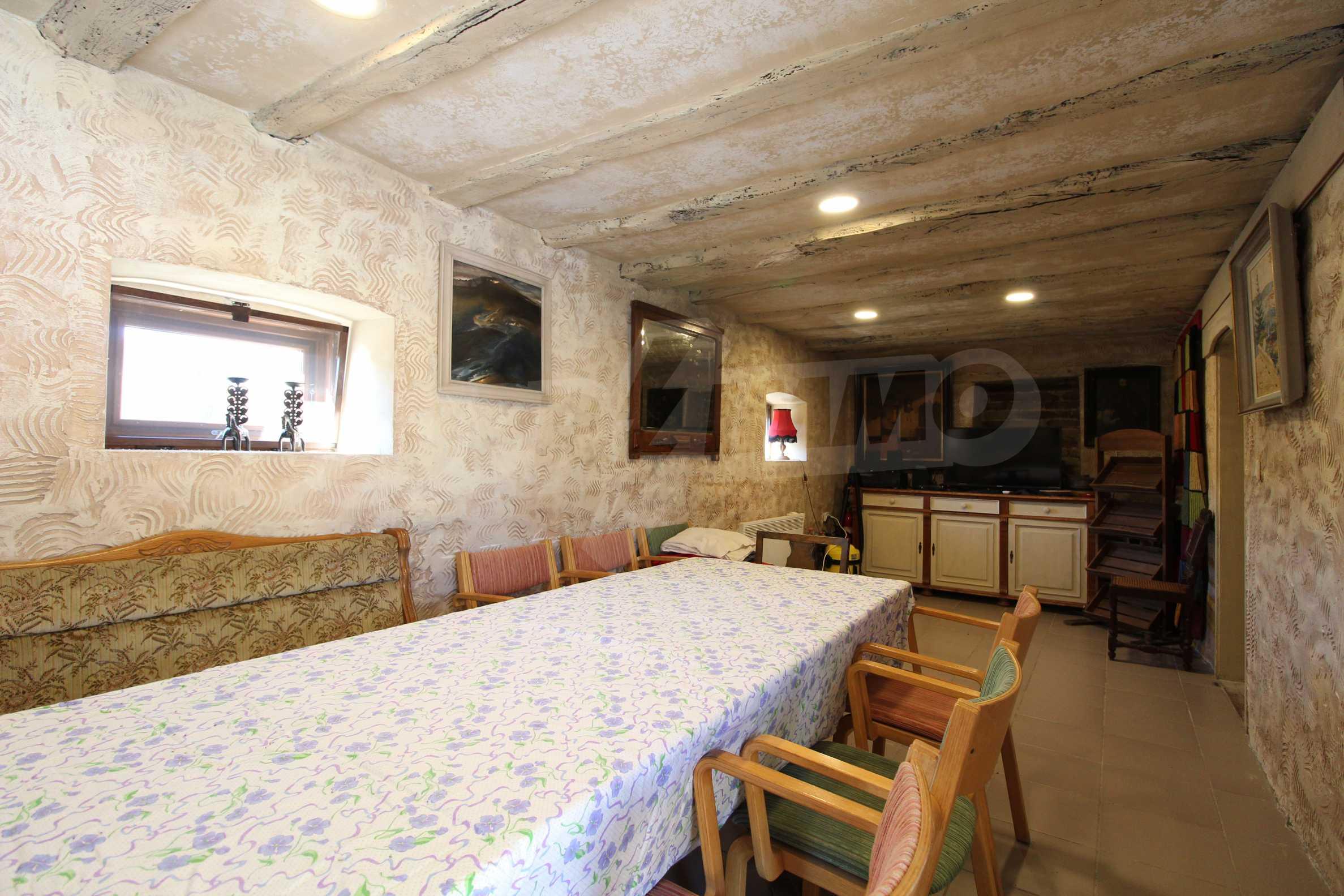 Стилно реновирана вила  само на 12 км. от В. Търново 7
