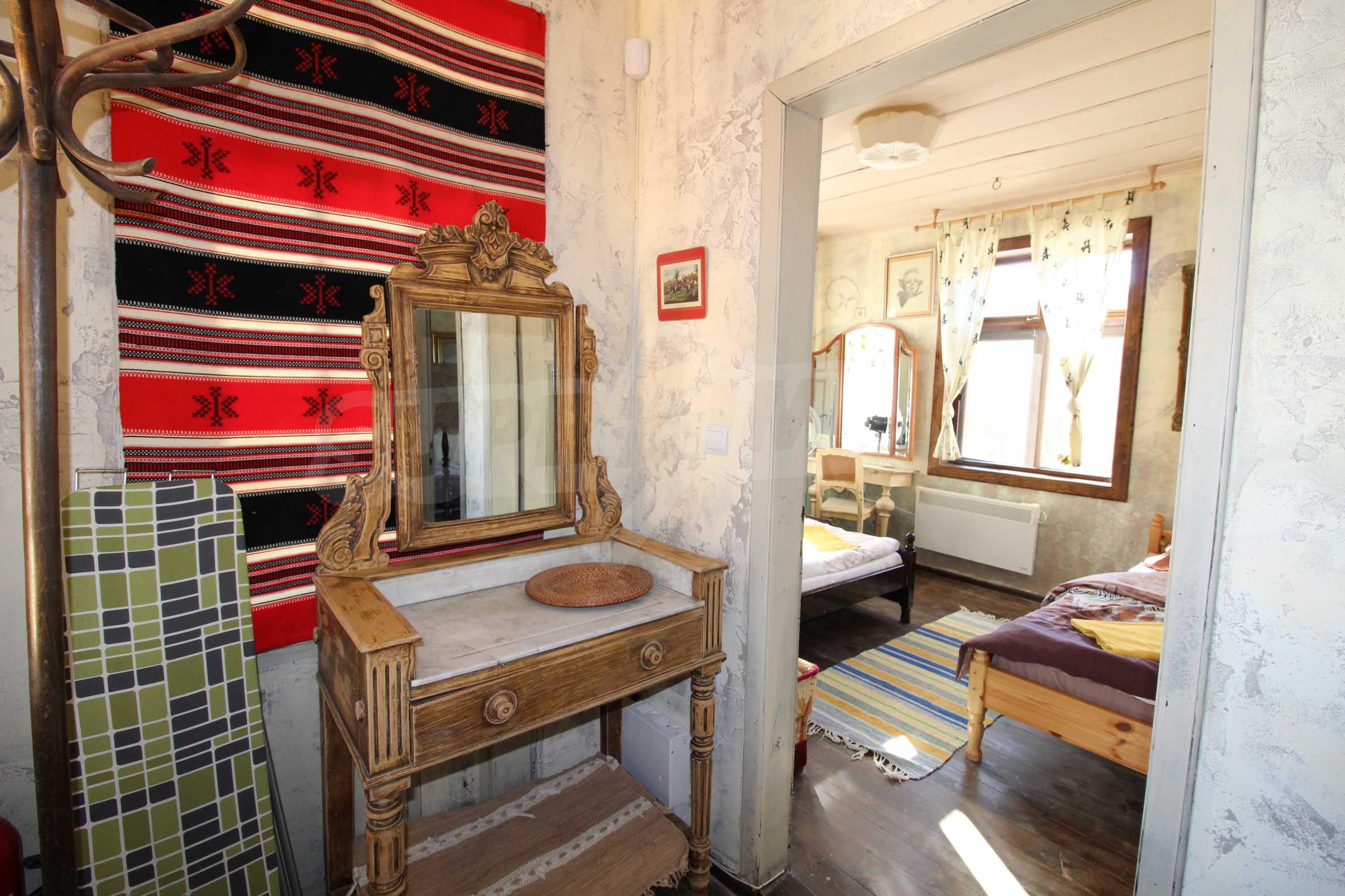 Стилно реновирана вила  само на 12 км. от В. Търново