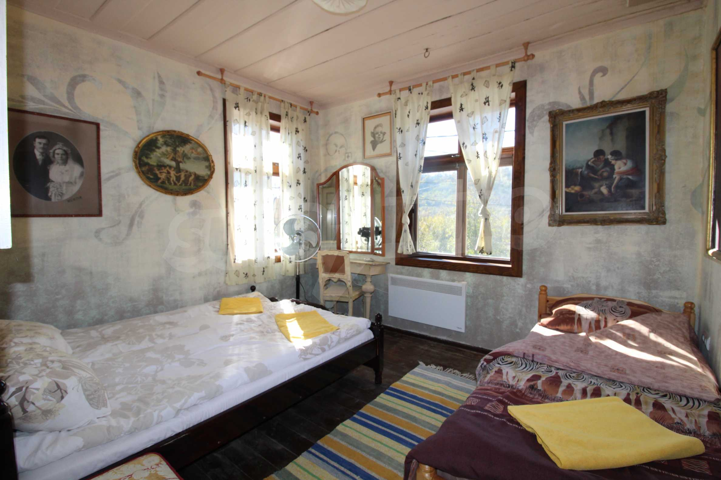 Стилно реновирана вила  само на 12 км. от В. Търново 28