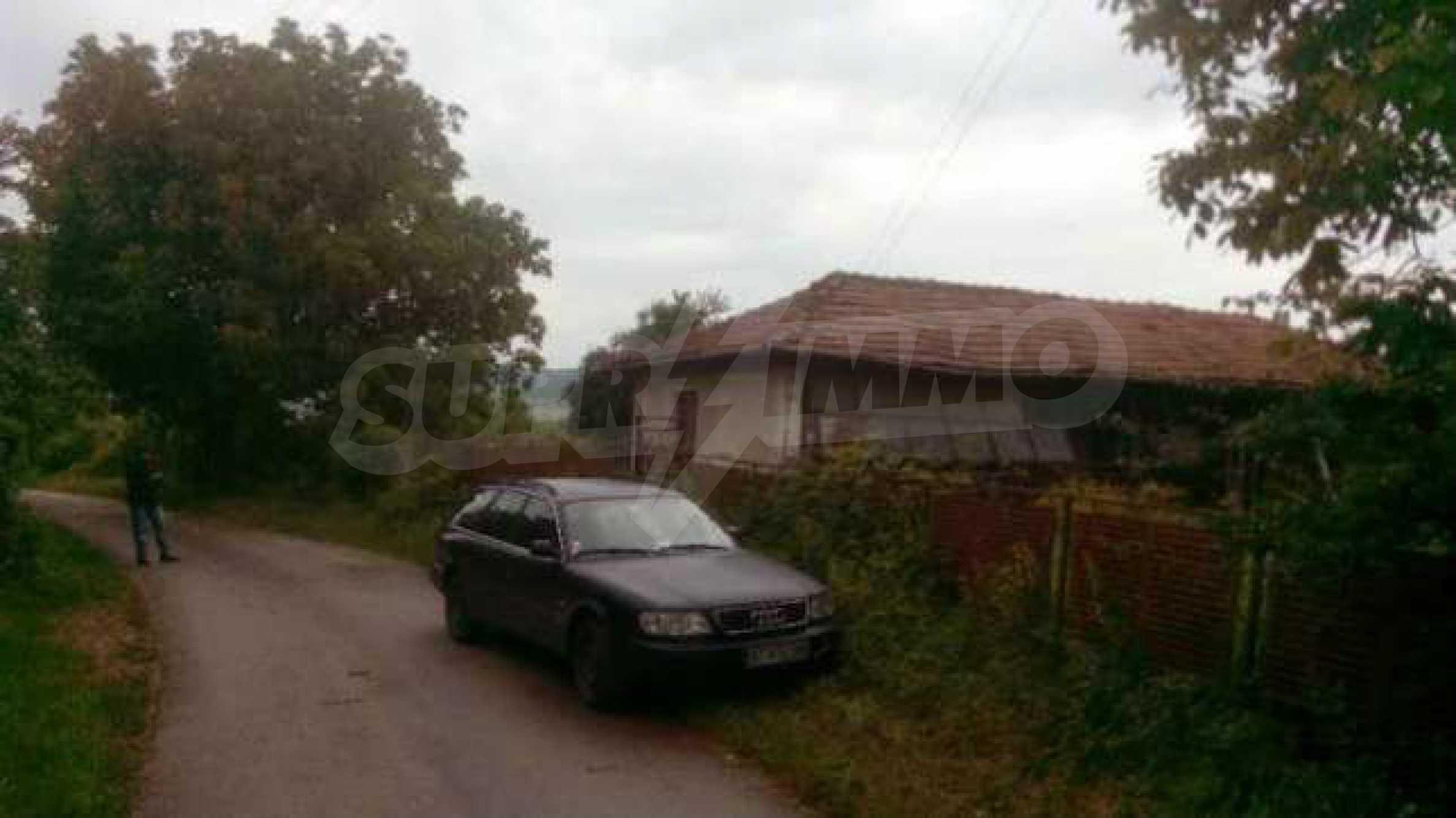 Стара къща в село, само на 17 км от гр. Велико Търново 1
