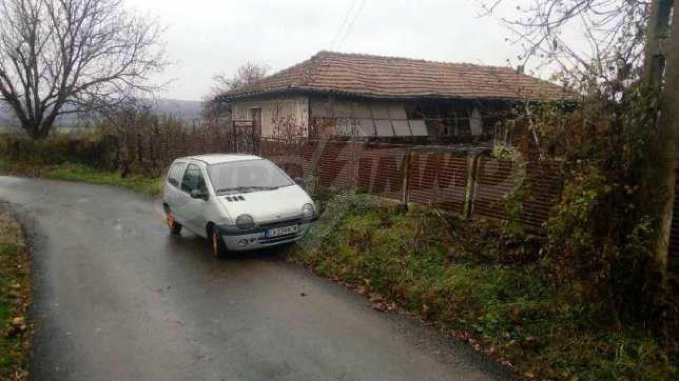 Стара къща в село, само на 17 км от гр. Велико Търново 4