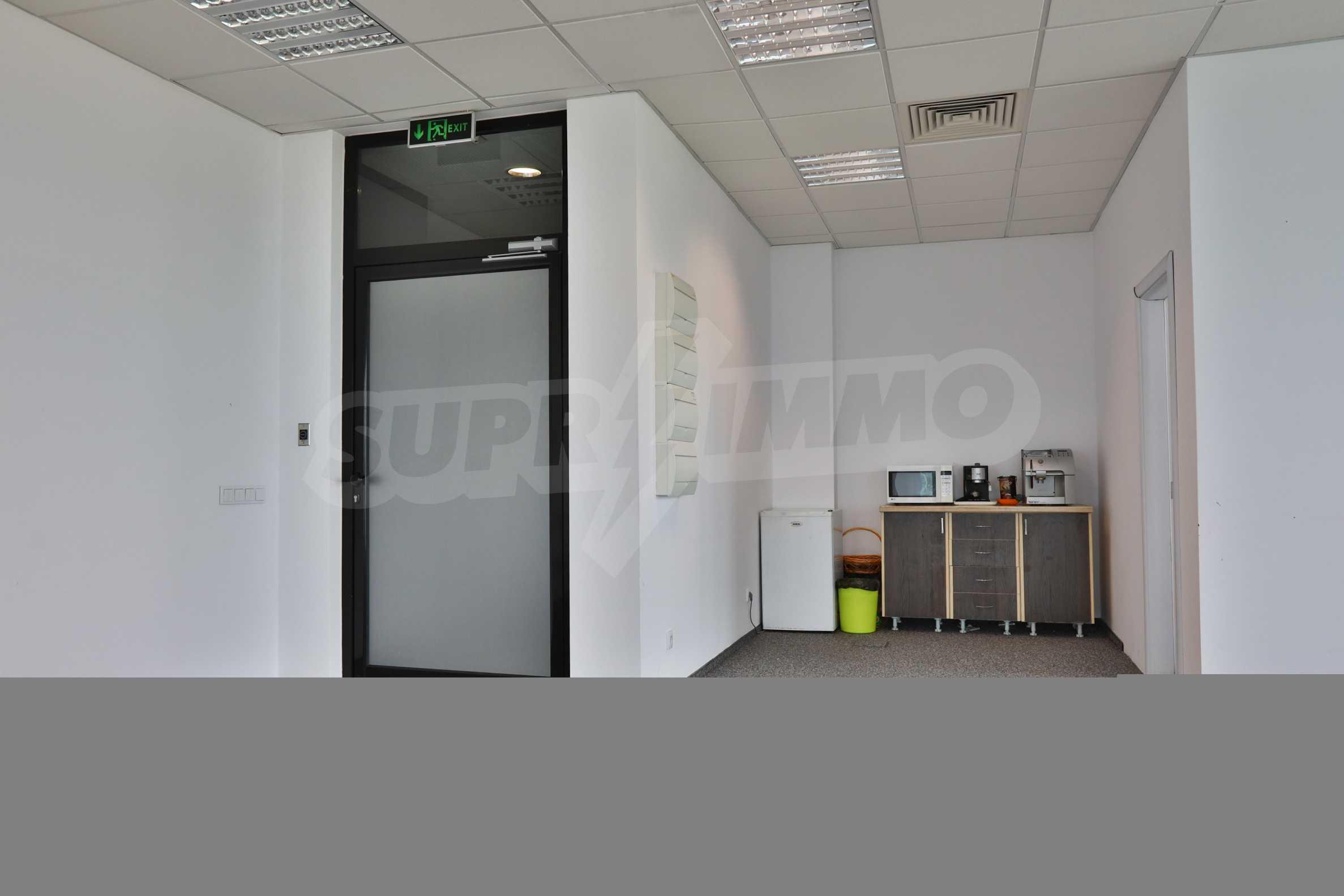Офис площи в Бизнес сграда Клас А, до Аерогара София 10