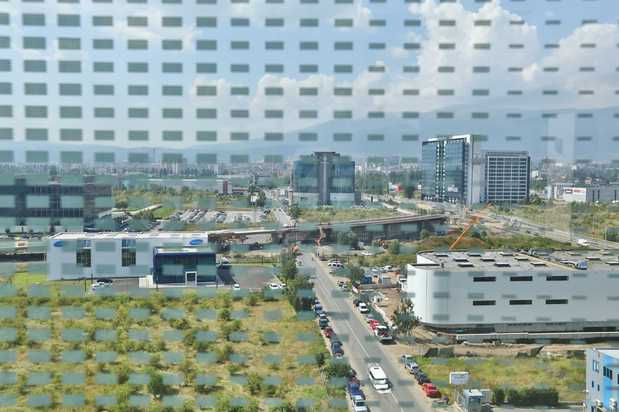 Офис площи в Бизнес сграда Клас А, до Аерогара София 4