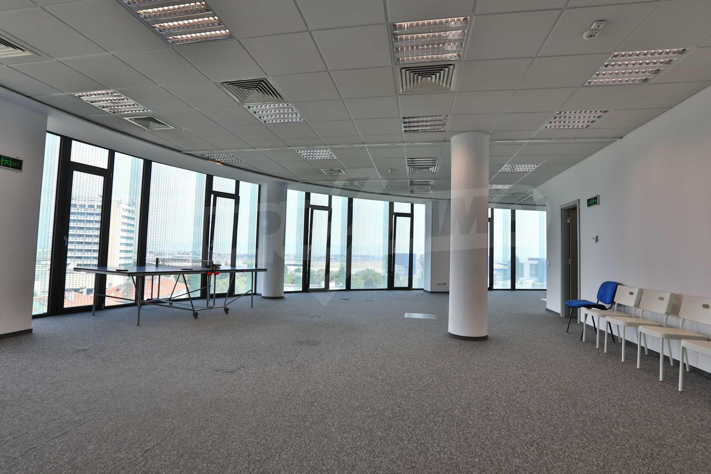 Офис площи в Бизнес сграда Клас А, до Аерогара София 5