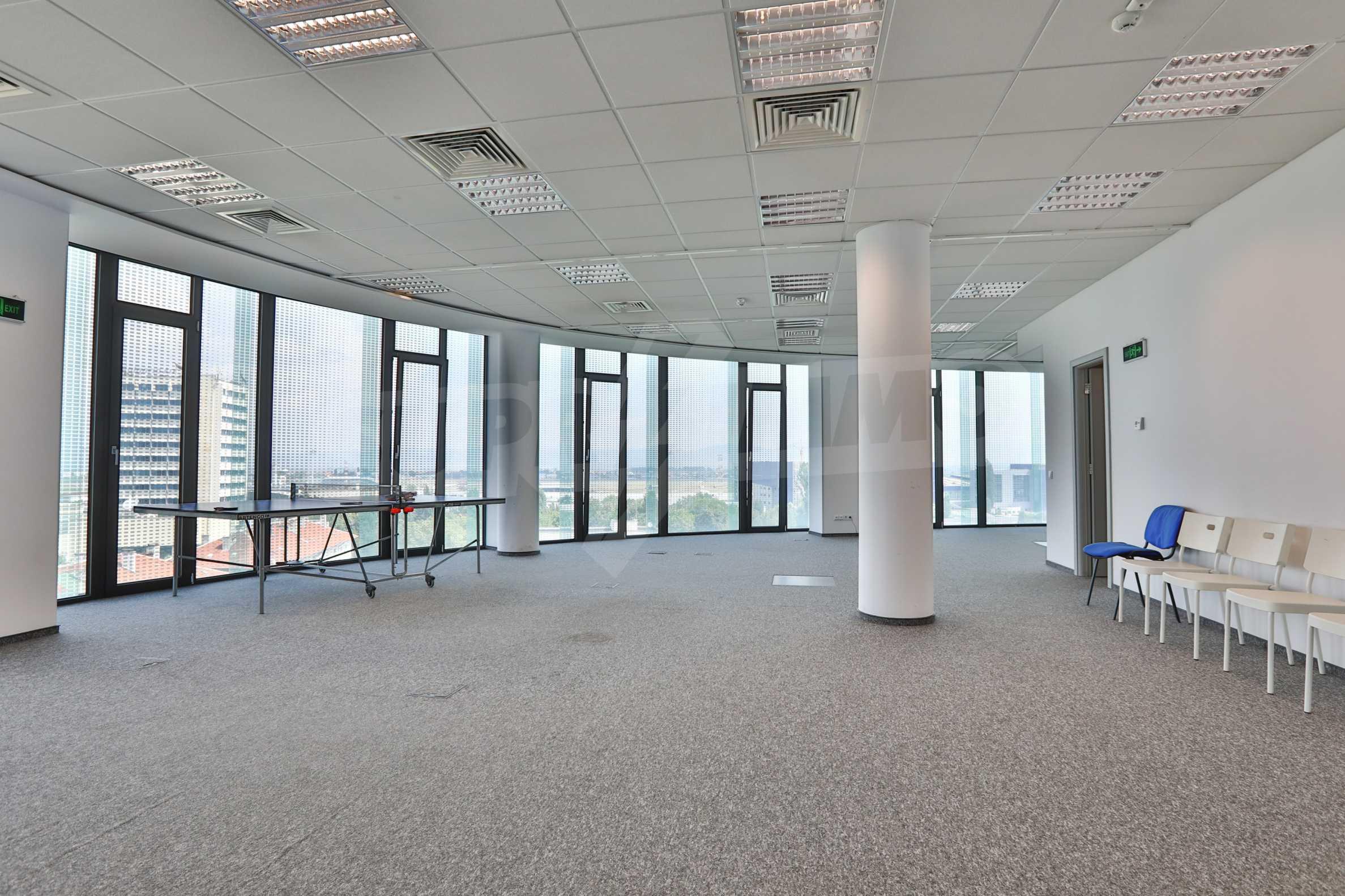 Офис площи в Бизнес сграда Клас А, до Аерогара София 6