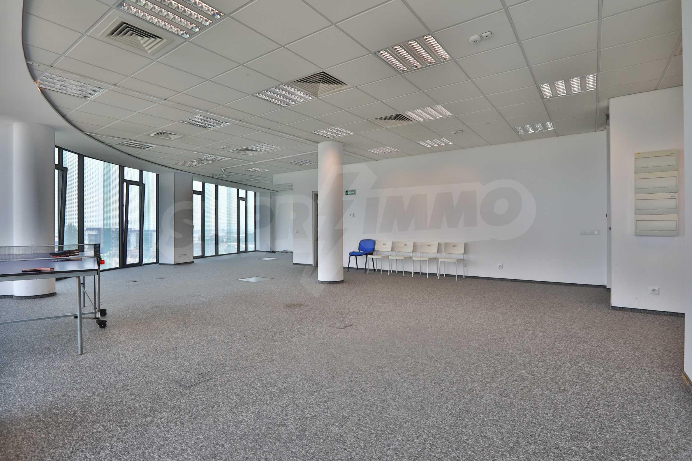 Офис площи в Бизнес сграда Клас А, до Аерогара София 7