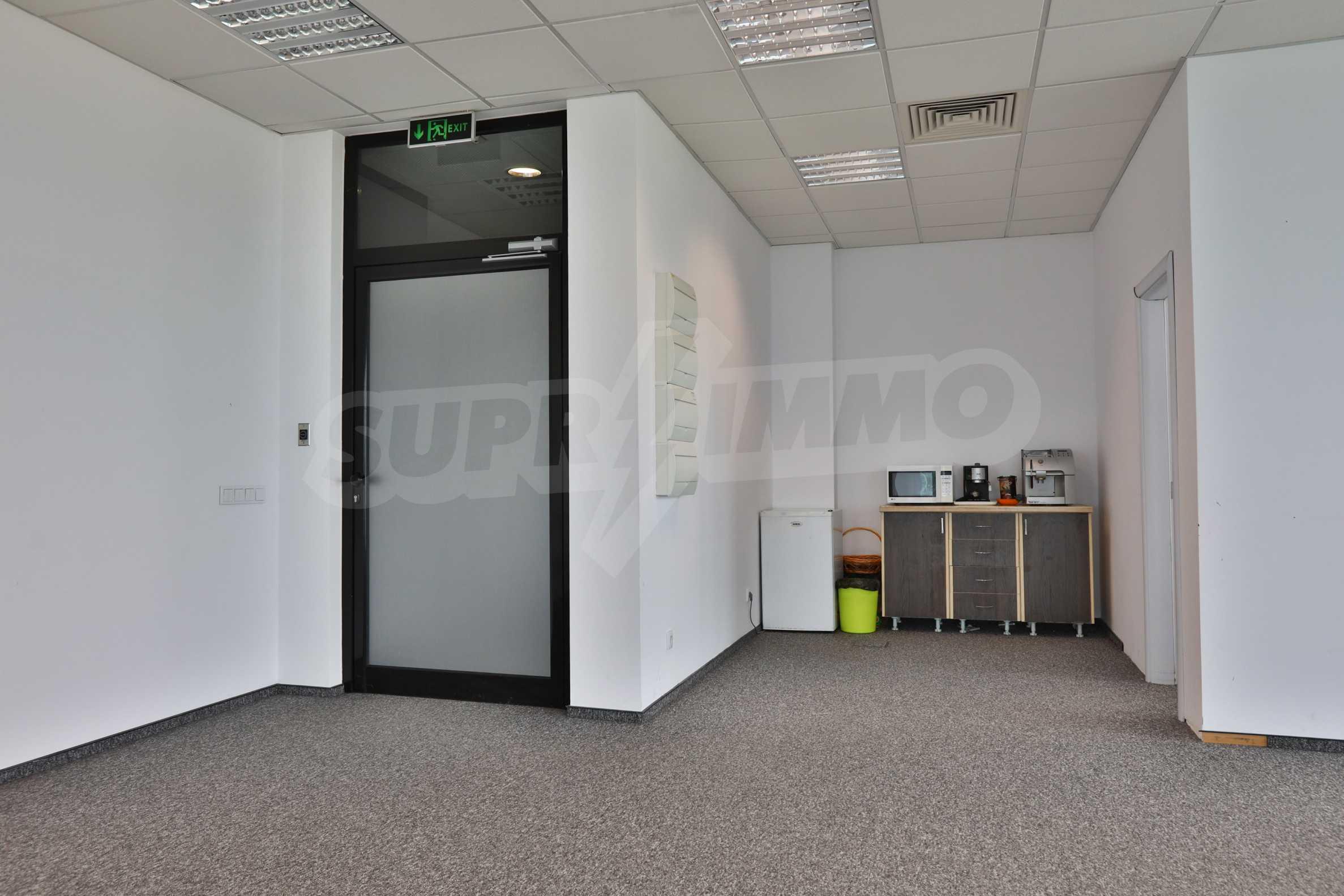 Представителен офис в луксозен Бизнес Център, до Аерогара София 10