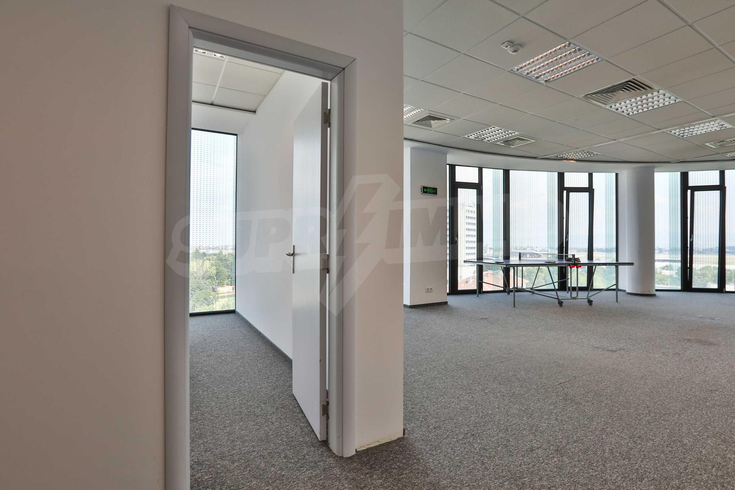 Представителен офис в луксозен Бизнес Център, до Аерогара София 12