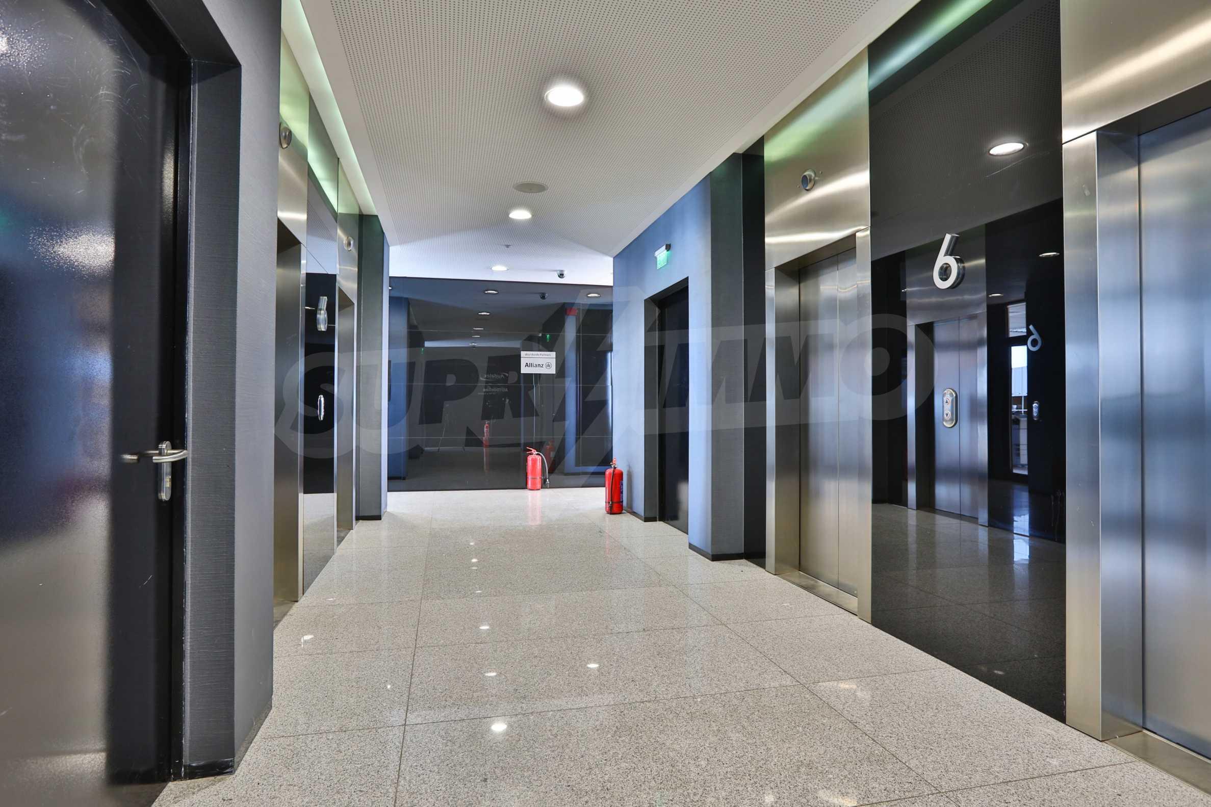 Представителен офис в луксозен Бизнес Център, до Аерогара София 14
