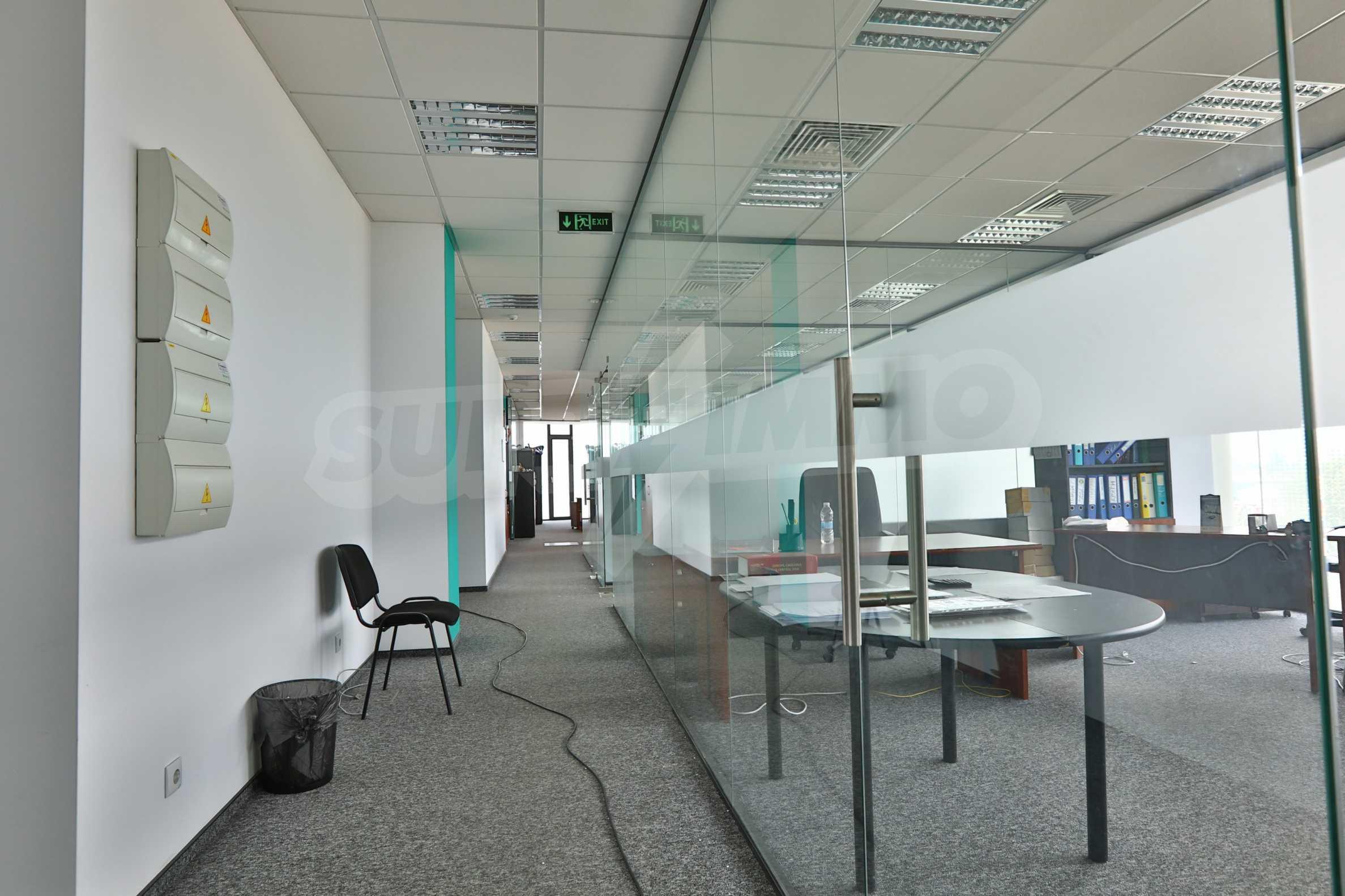 Представителен офис в луксозен Бизнес Център, до Аерогара София 15