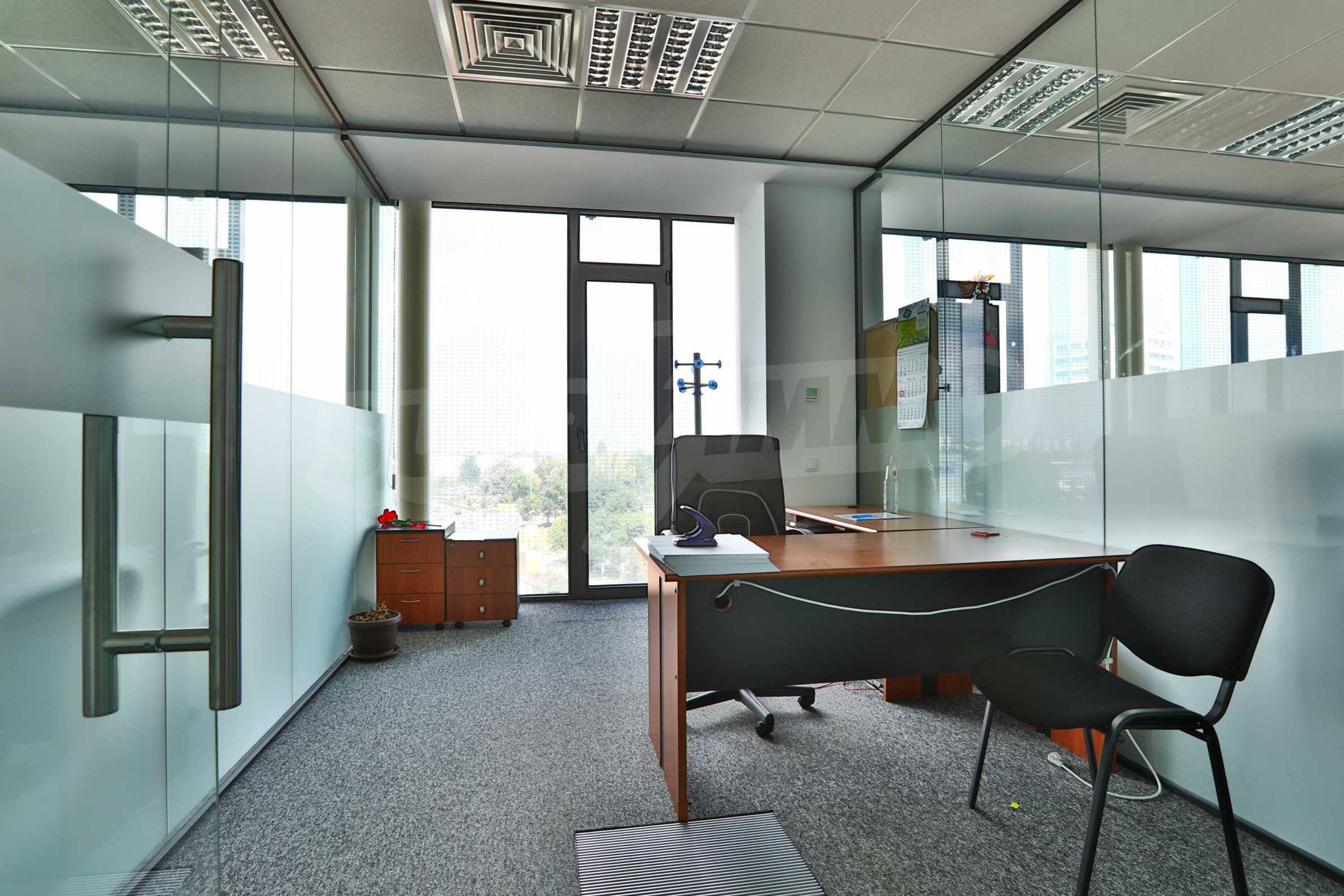 Представителен офис в луксозен Бизнес Център, до Аерогара София 16