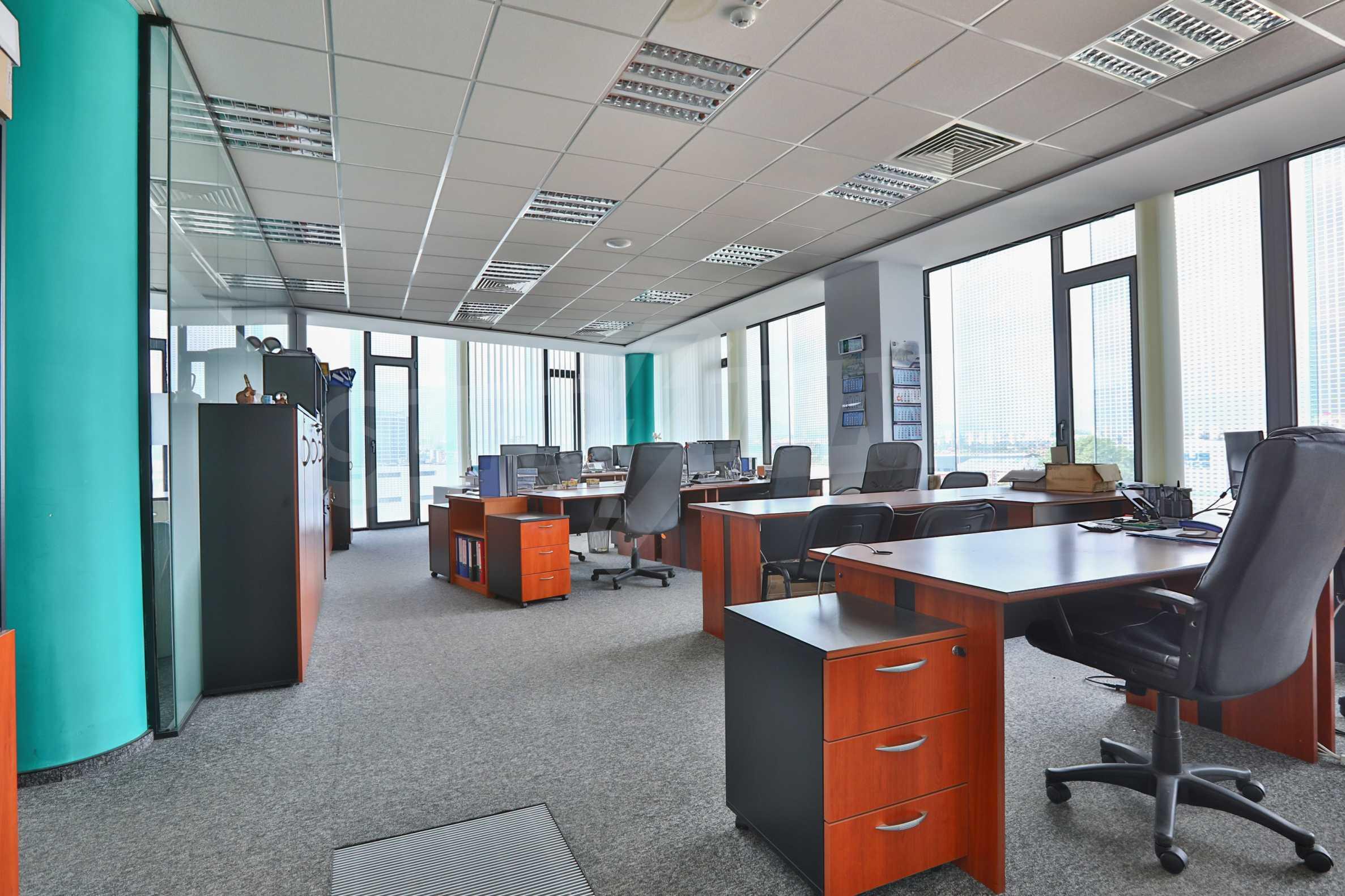 Представителен офис в луксозен Бизнес Център, до Аерогара София 17