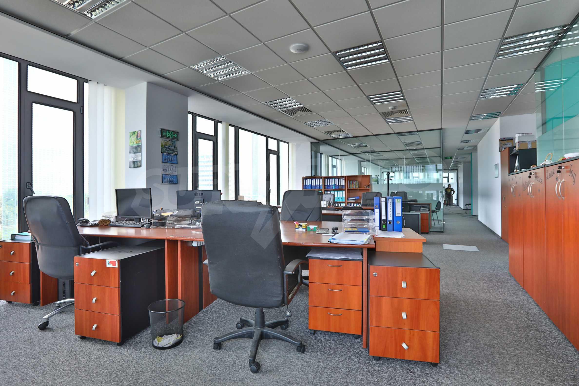 Представителен офис в луксозен Бизнес Център, до Аерогара София 18