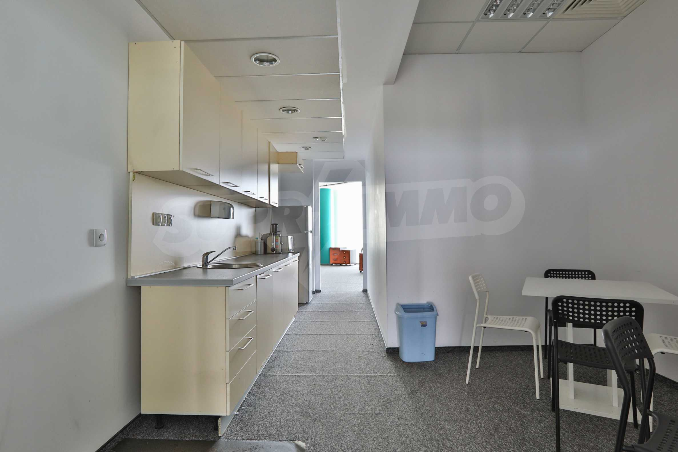 Представителен офис в луксозен Бизнес Център, до Аерогара София 19