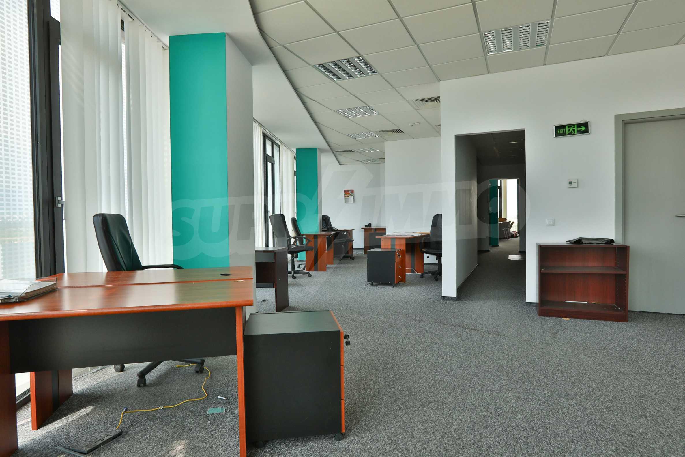 Представителен офис в луксозен Бизнес Център, до Аерогара София 21