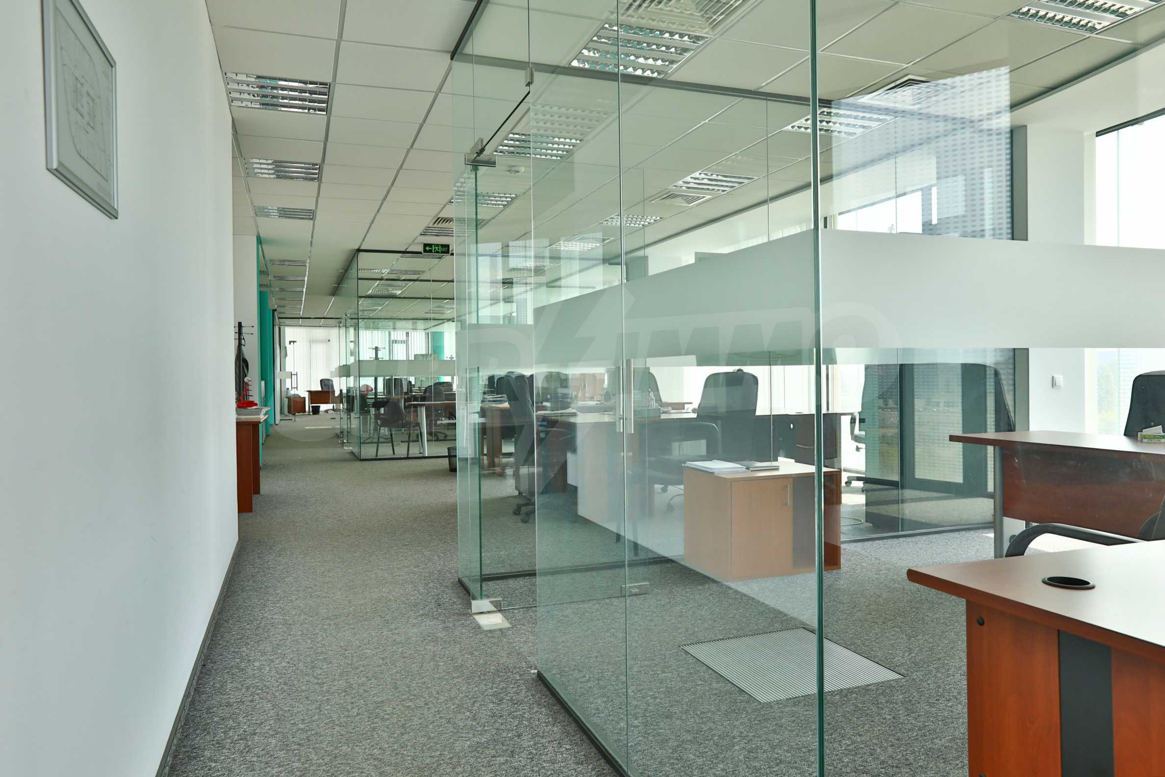 Представителен офис в луксозен Бизнес Център, до Аерогара София 22