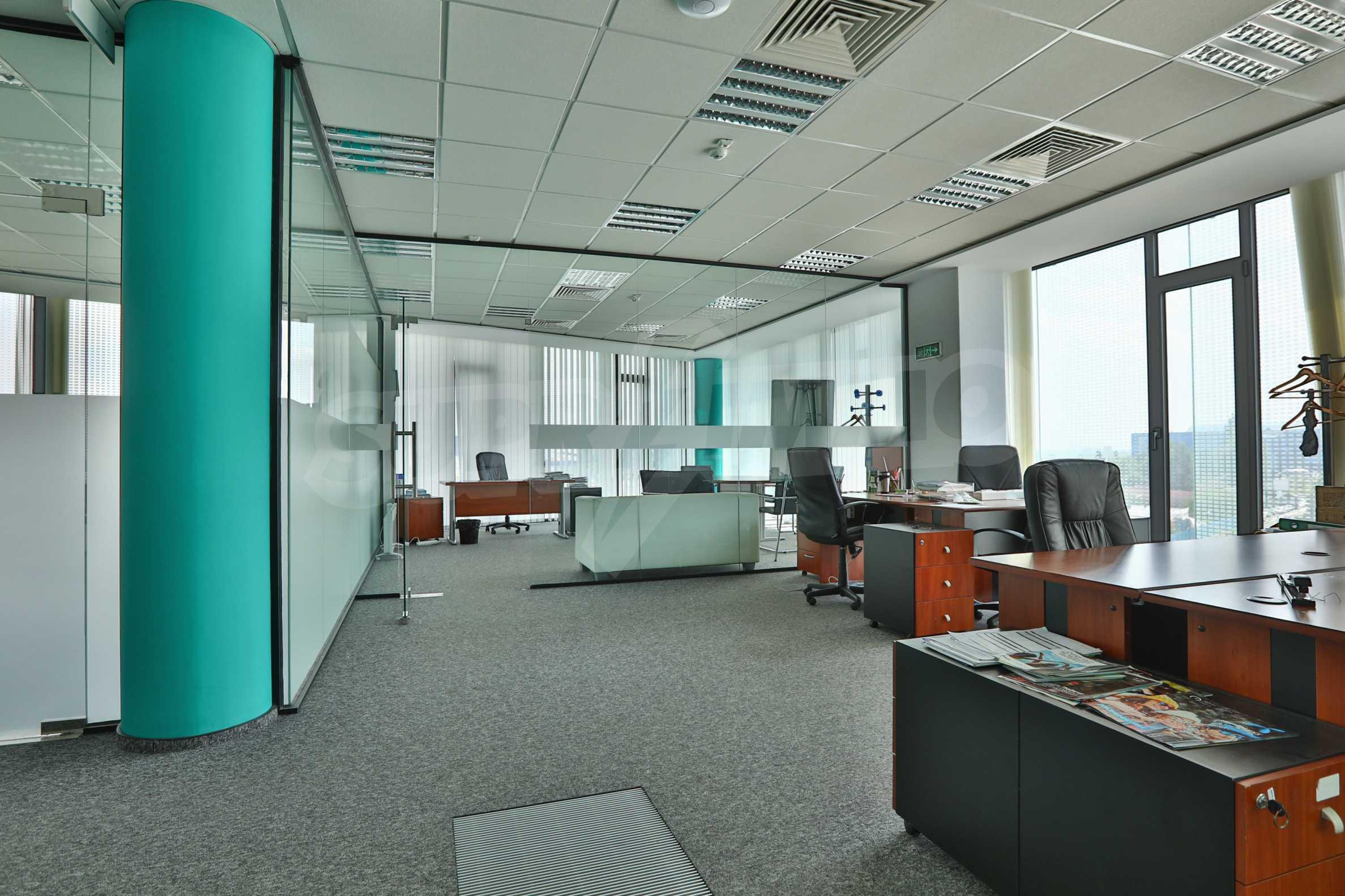 Представителен офис в луксозен Бизнес Център, до Аерогара София 24
