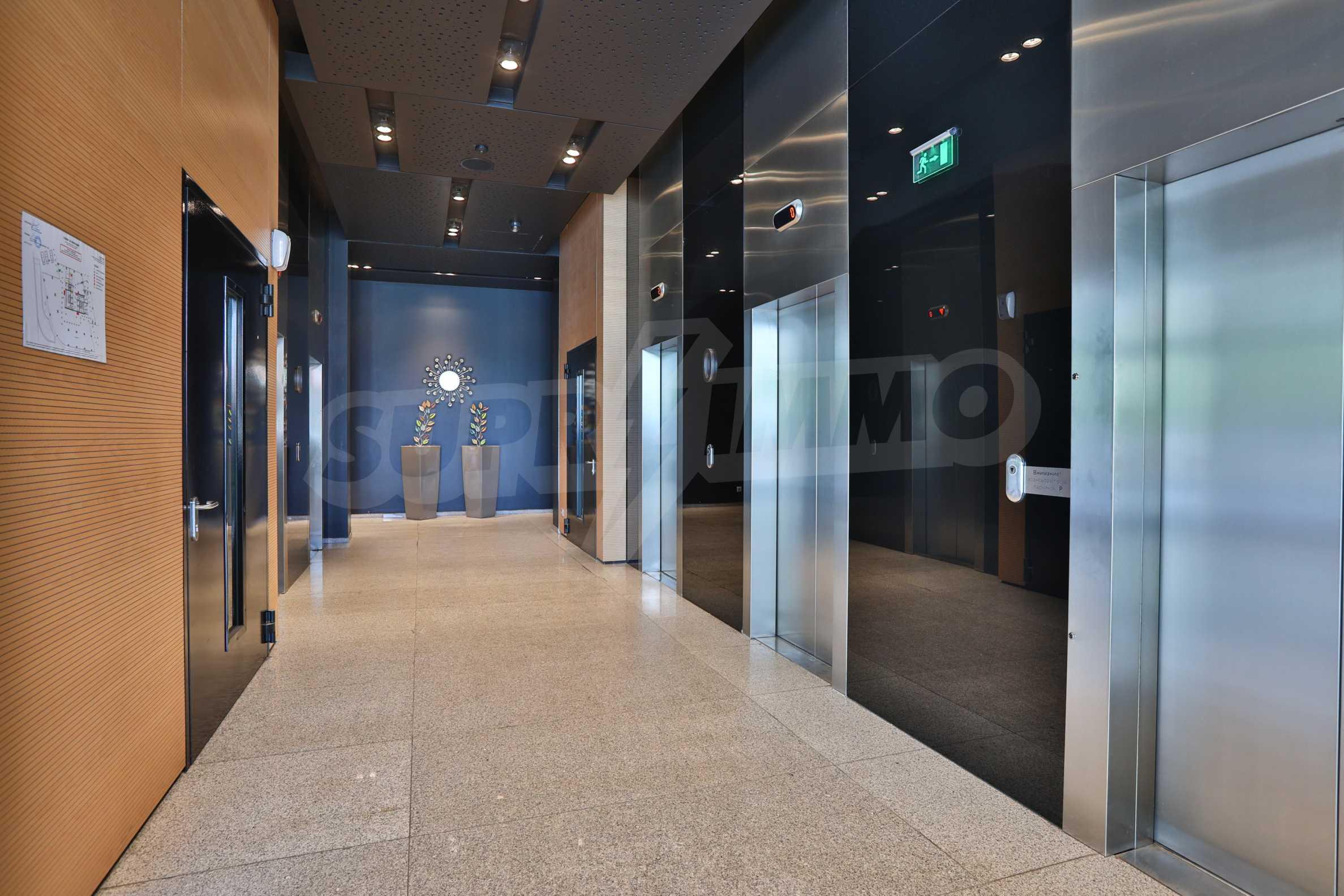 Представителен офис в луксозен Бизнес Център, до Аерогара София 1