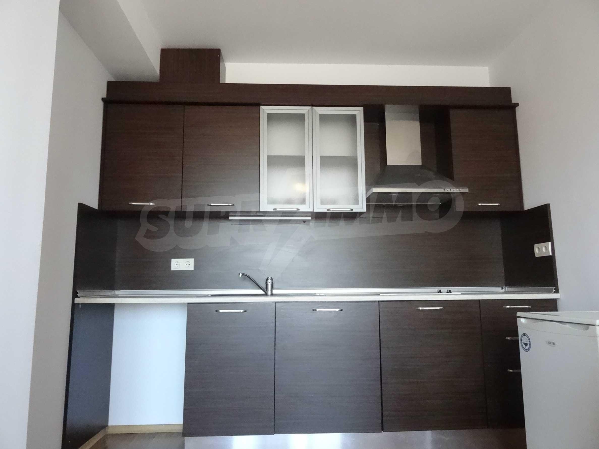 Чудесен апартамент за продажба във затворен комплекс 4