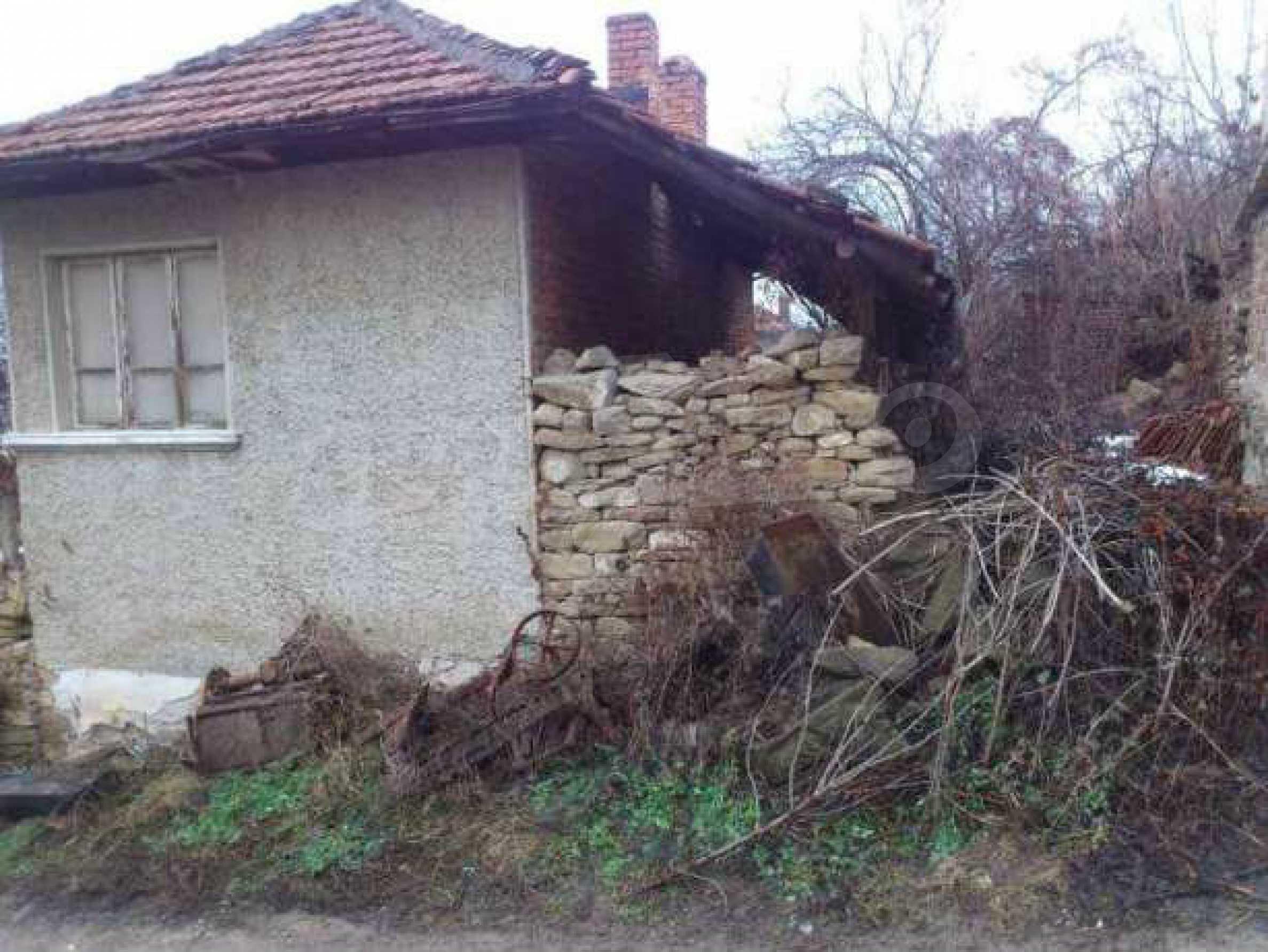 Селска къща с двор  само на 3 км от Велико Търново  6