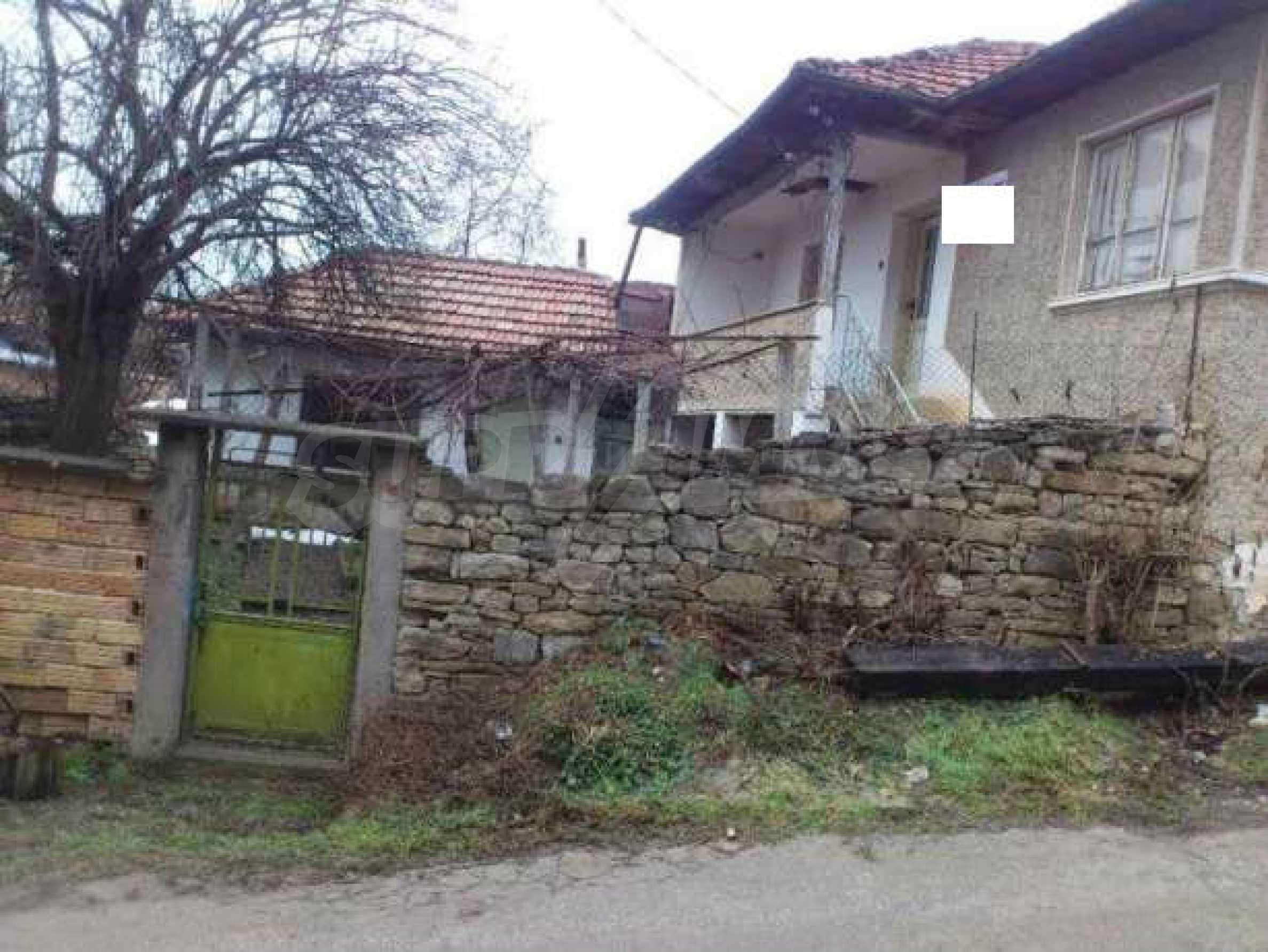 Селска къща с двор  само на 3 км от Велико Търново  7
