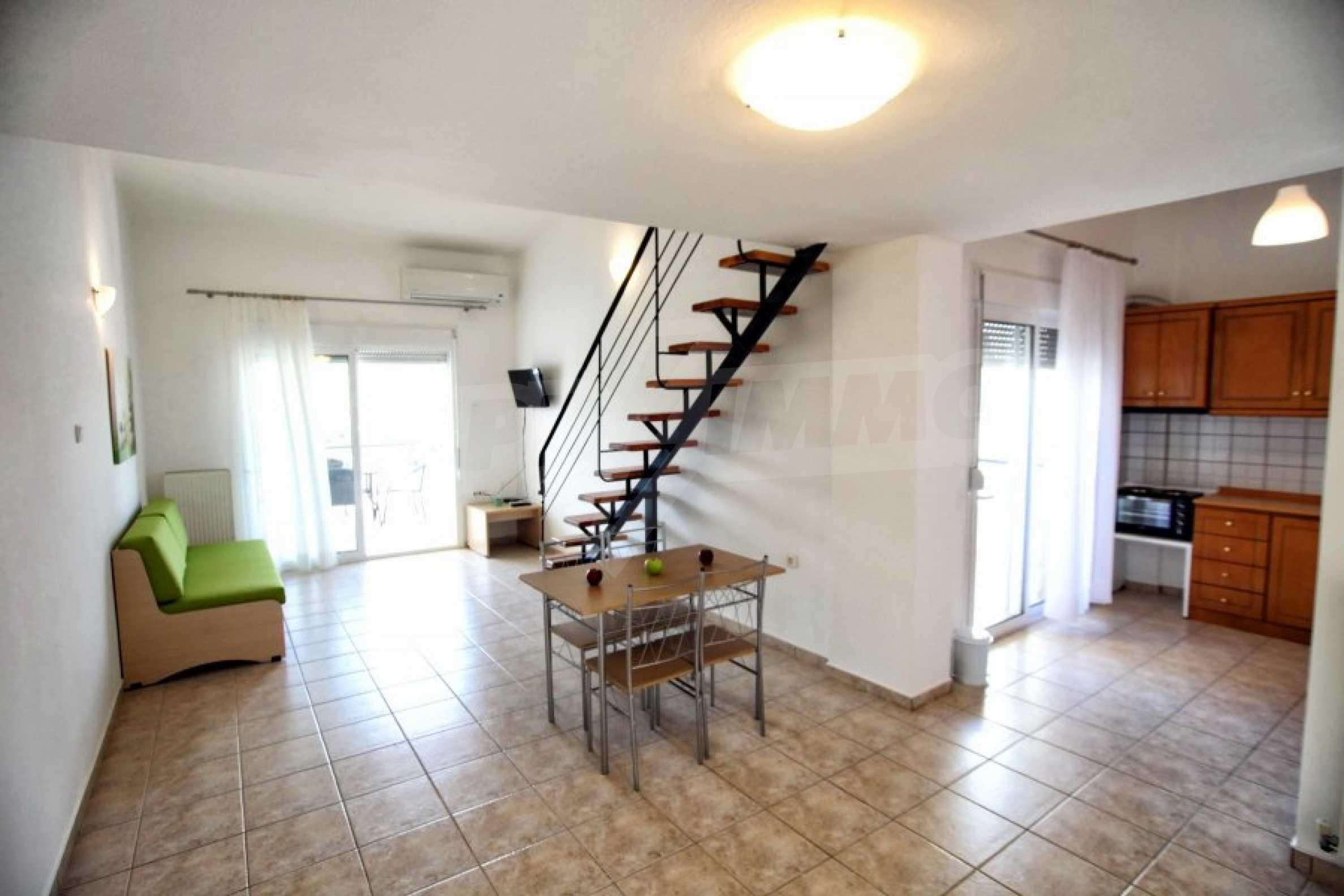 Обзаведен три стаен апартамент в Неа Ираклица 1