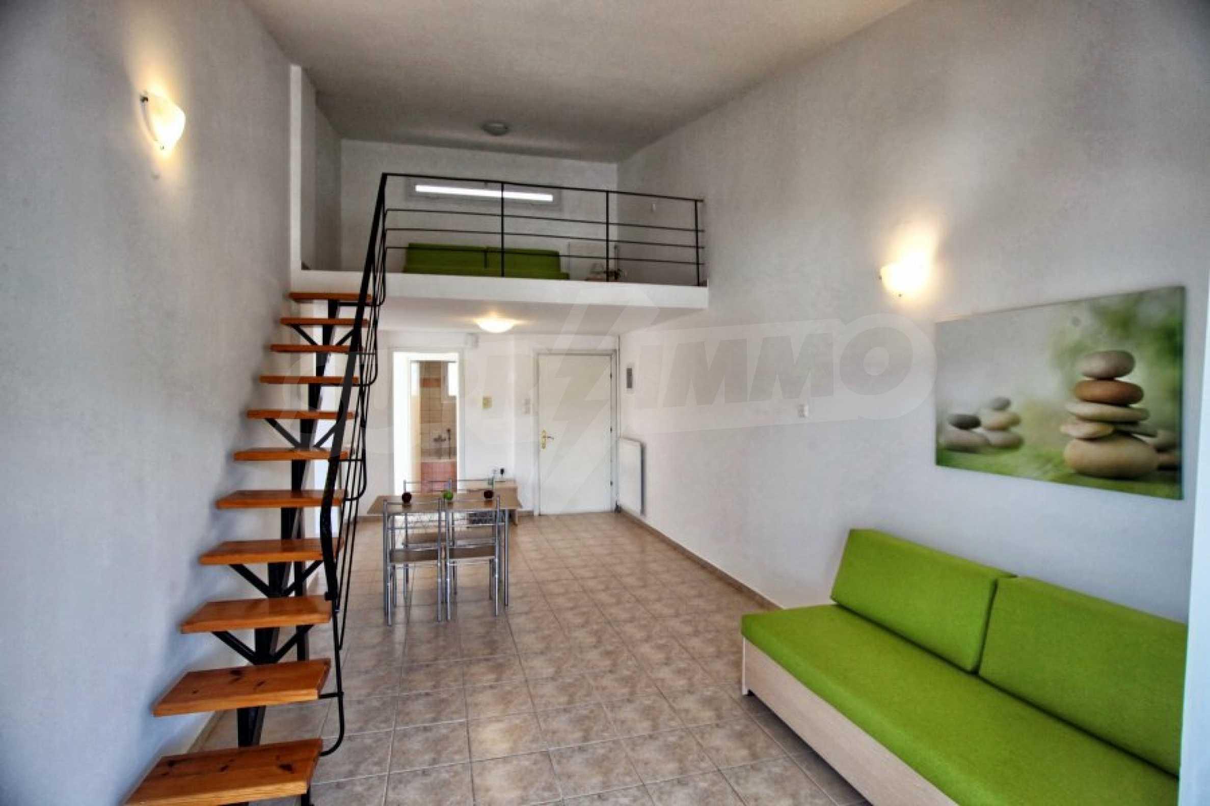 Обзаведен три стаен апартамент в Неа Ираклица 2
