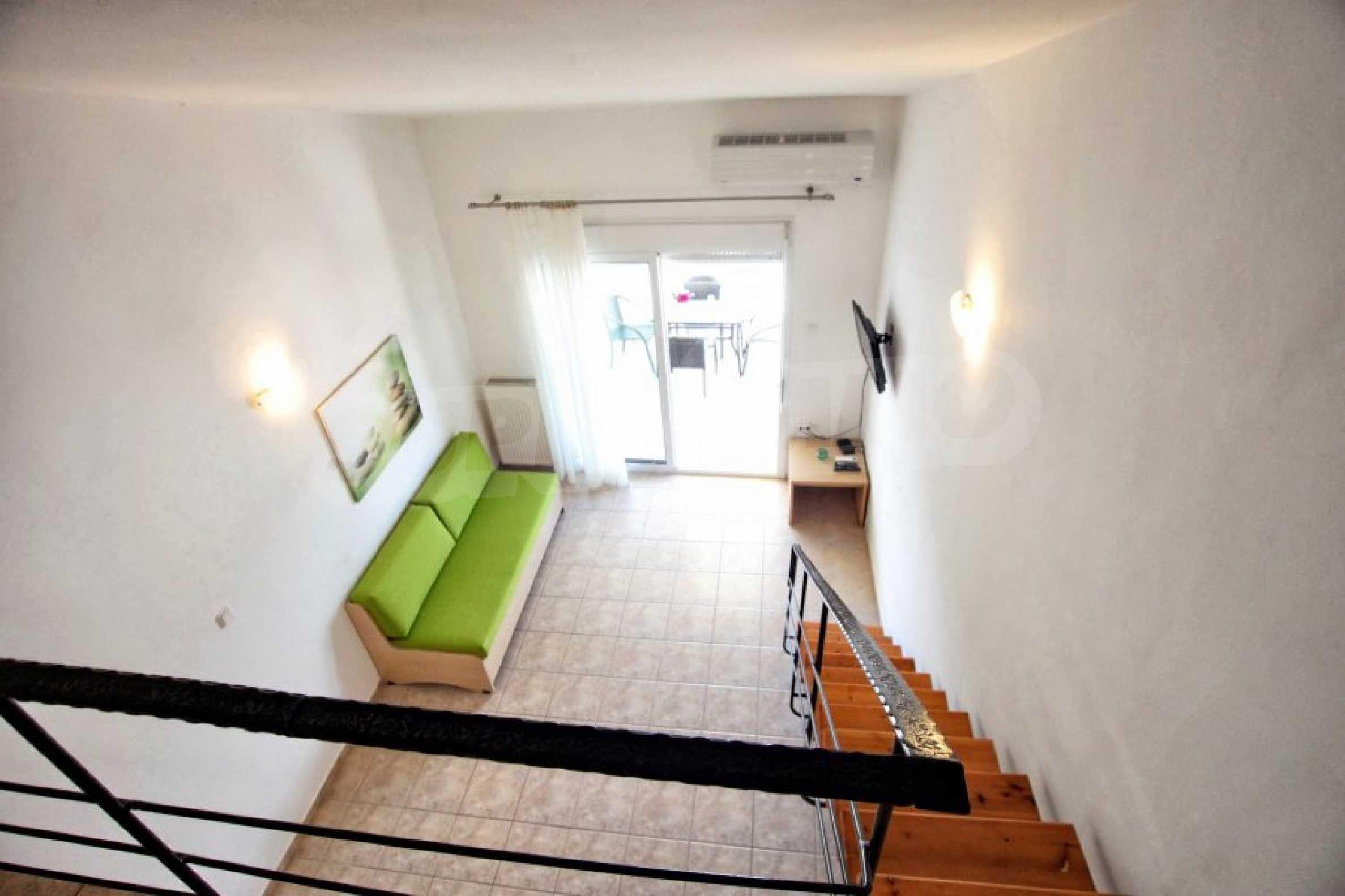 Обзаведен три стаен апартамент в Неа Ираклица 6