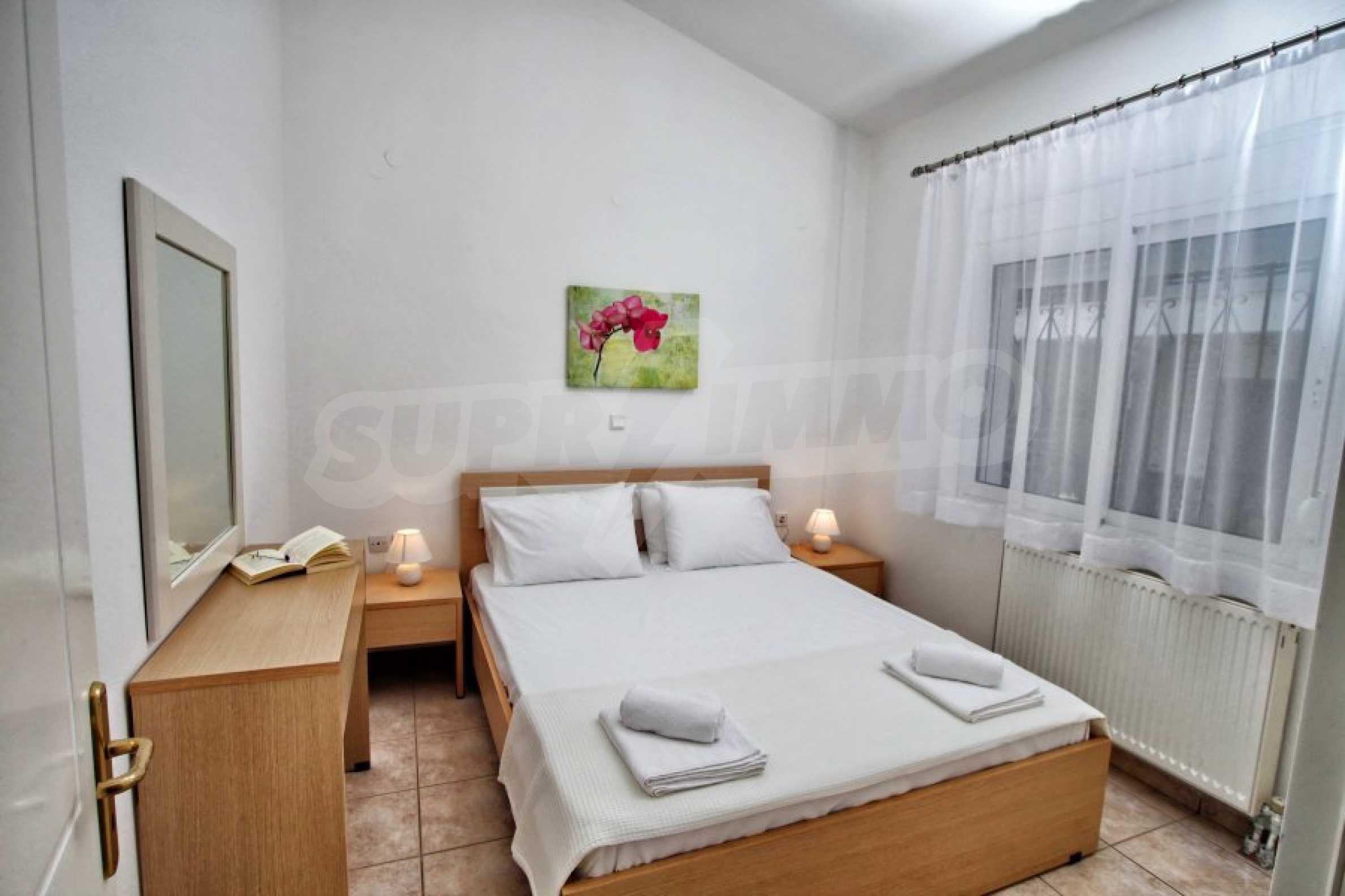 Обзаведен три стаен апартамент в Неа Ираклица 8