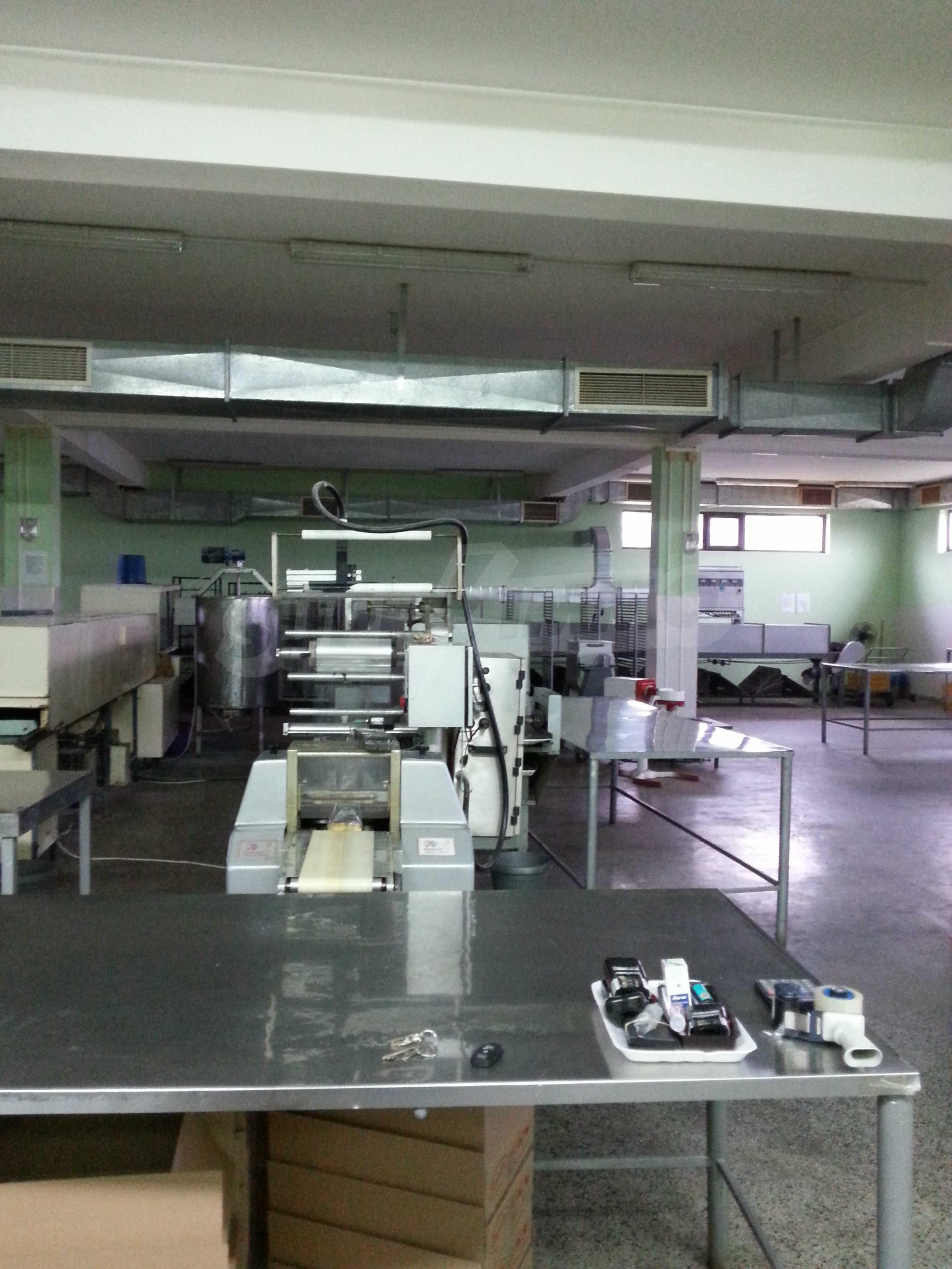 Работеща фабрика за производство на захарни изделия 13