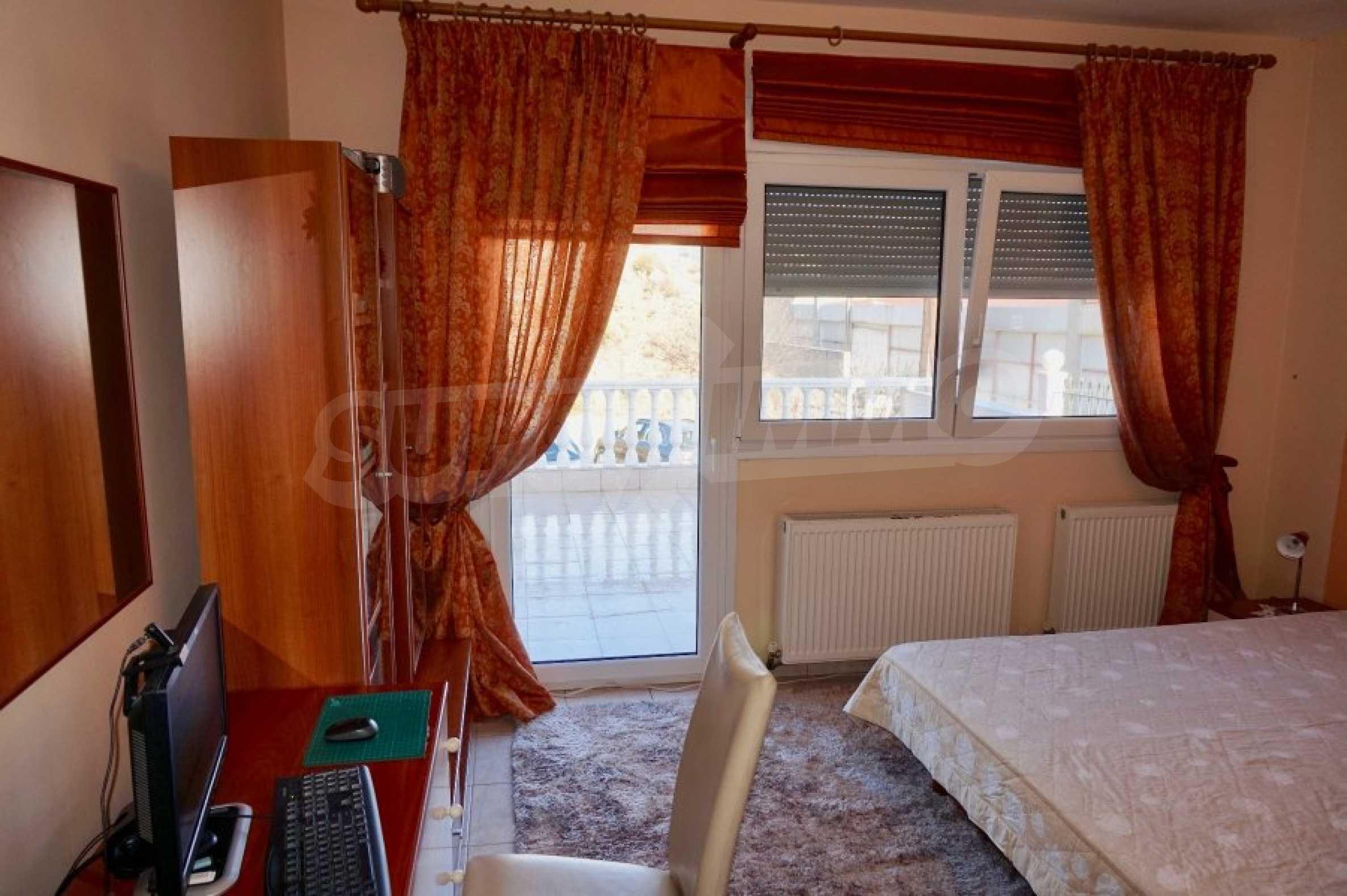 Къща с три спални и гледка към морето 21