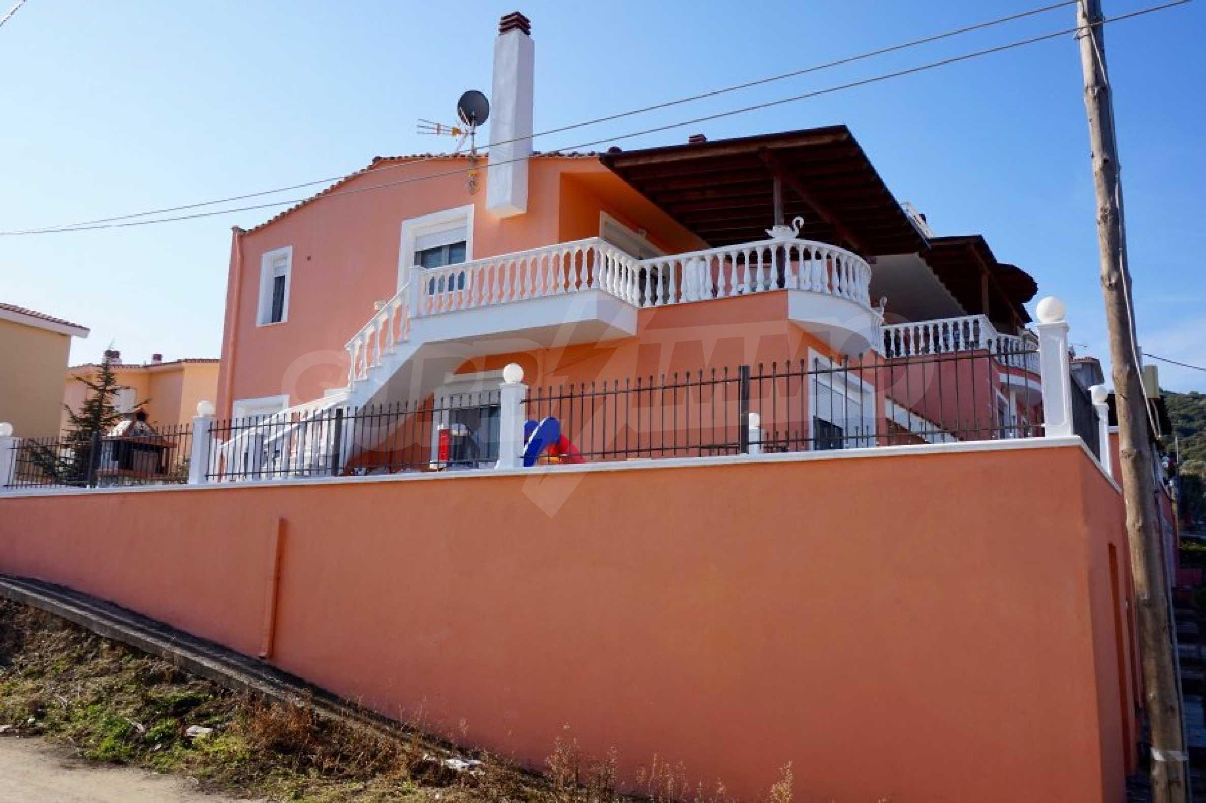 Къща с три спални и гледка към морето 3