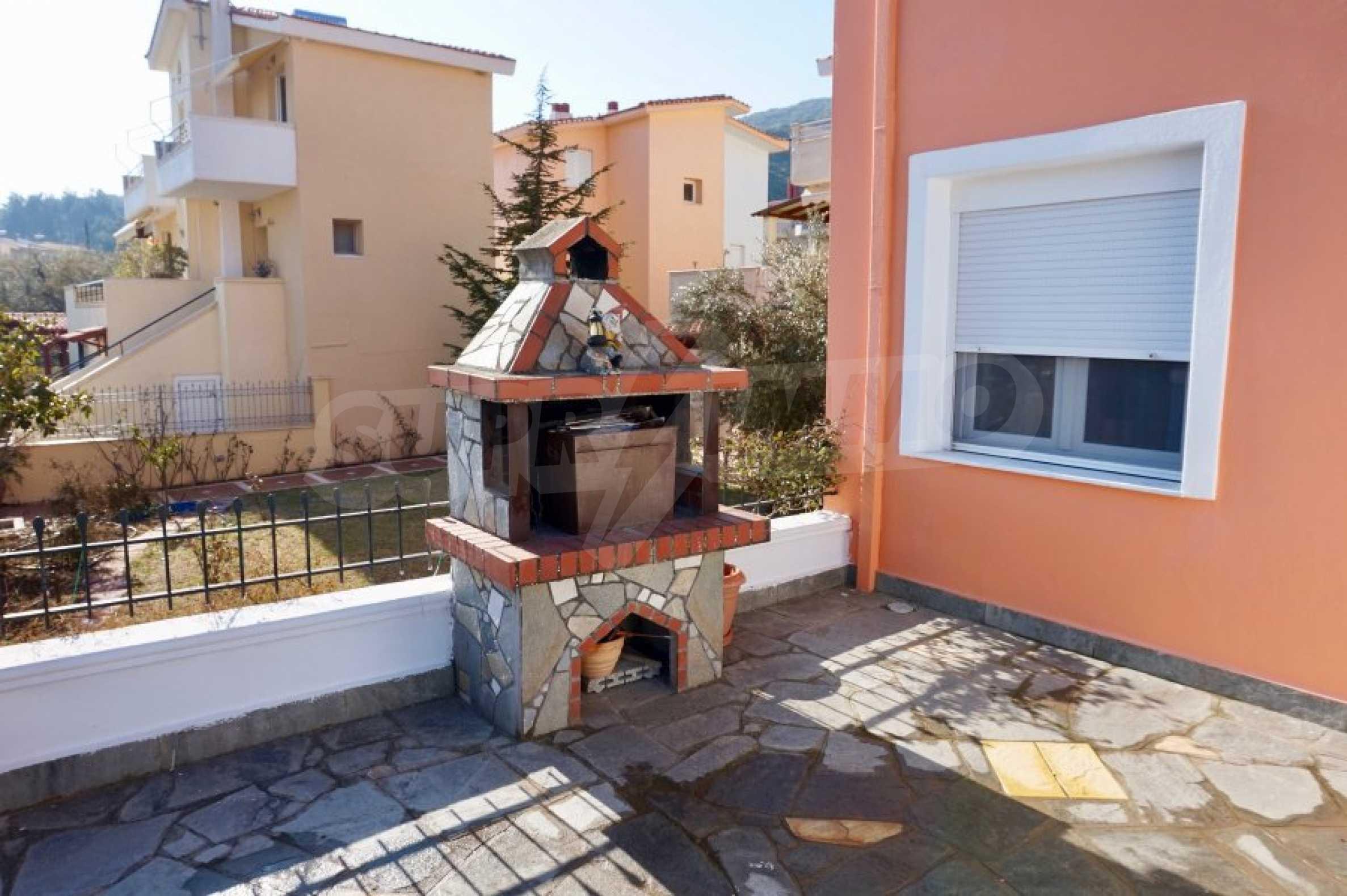 Къща с три спални и гледка към морето 6