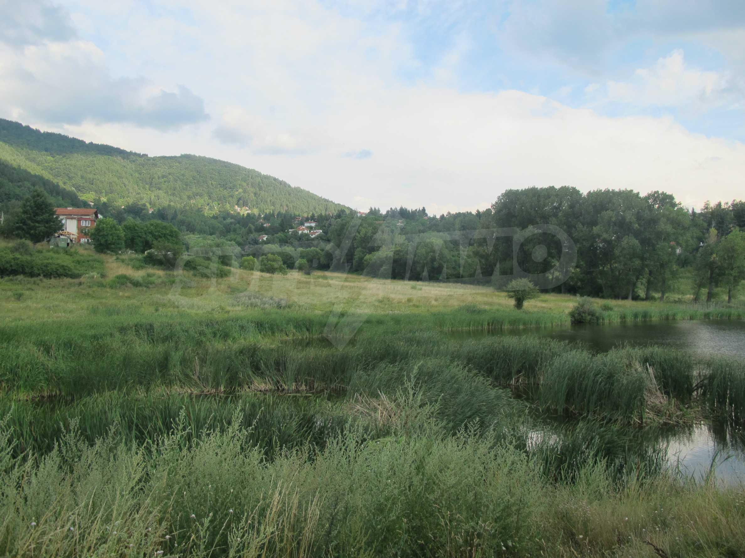 Парцел в регулация с много хубави гледки в село Рударци