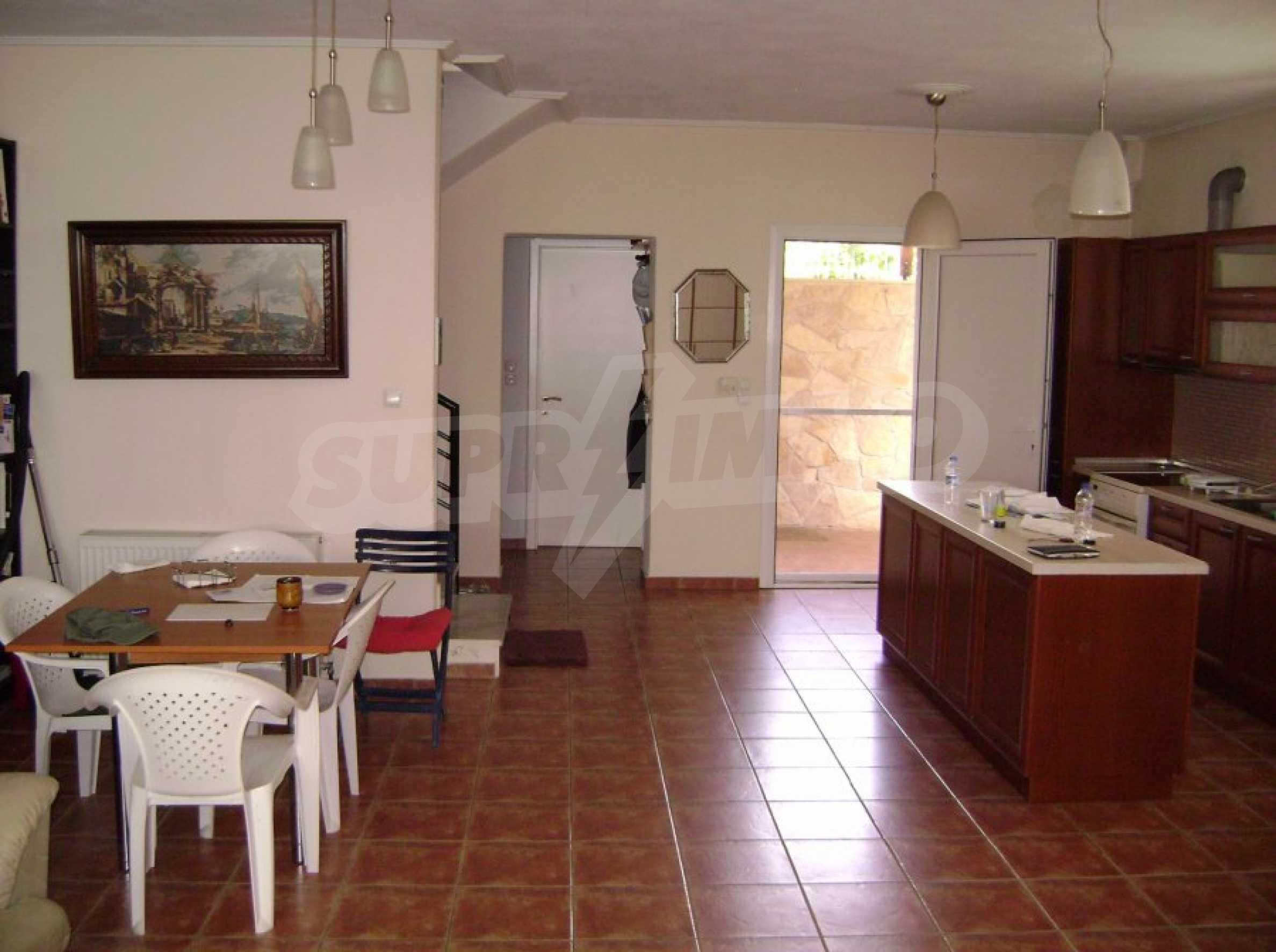 Къща с три спални в Неа Ираклица 14