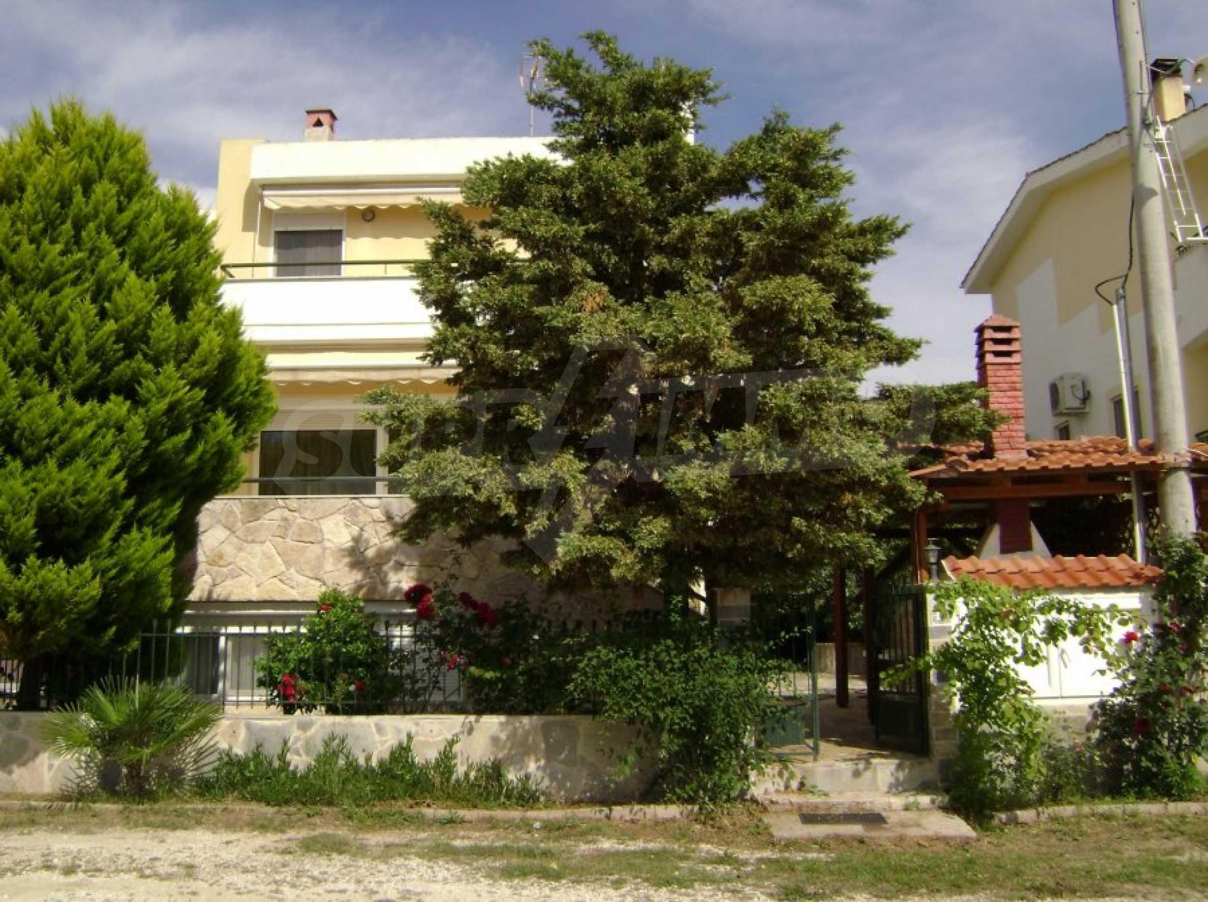 Къща с три спални в Неа Ираклица 1