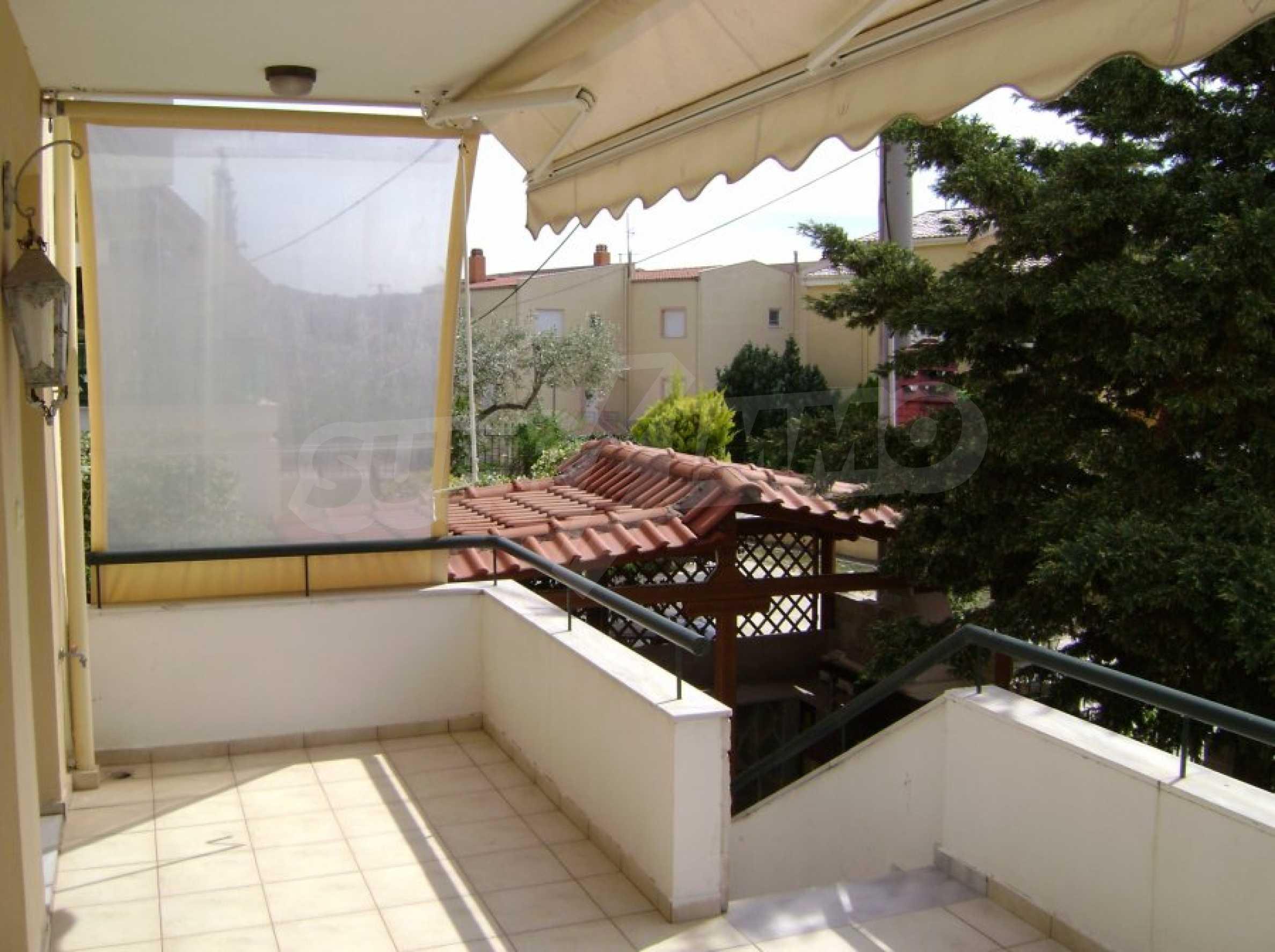 Къща с три спални в Неа Ираклица 21