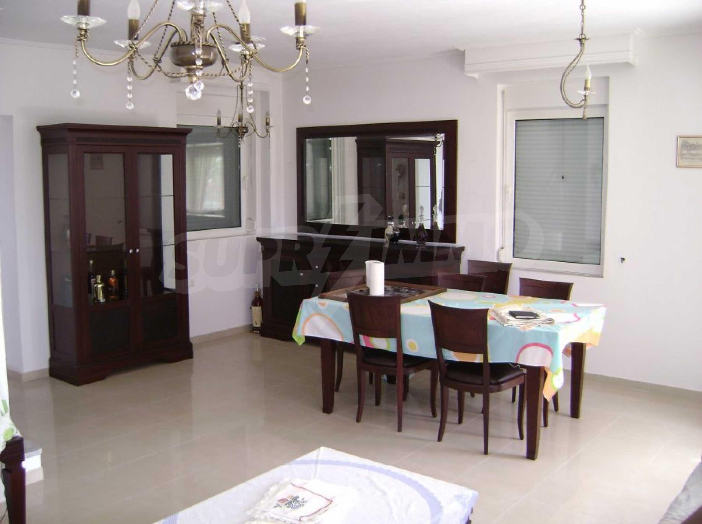 Къща с три спални в Неа Ираклица 24