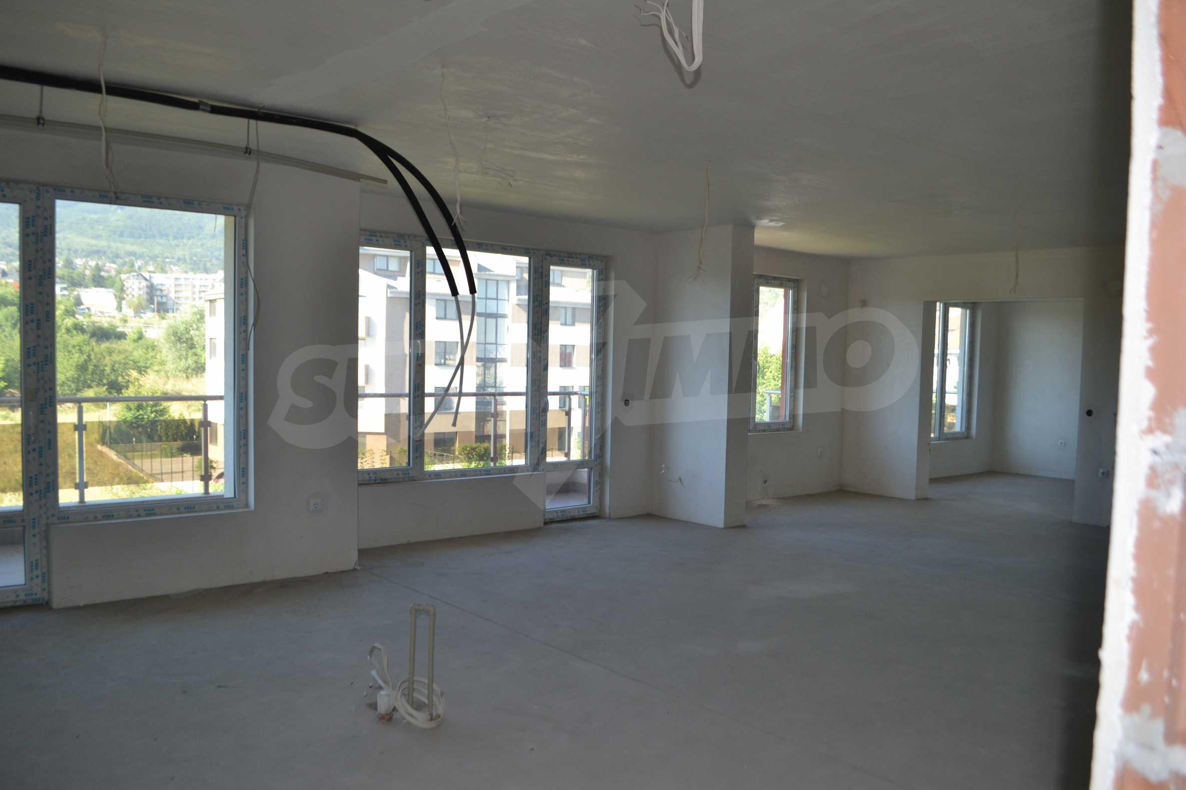 Многостаен апартамент в затворен комплекс, кв. Кръстова вада  6
