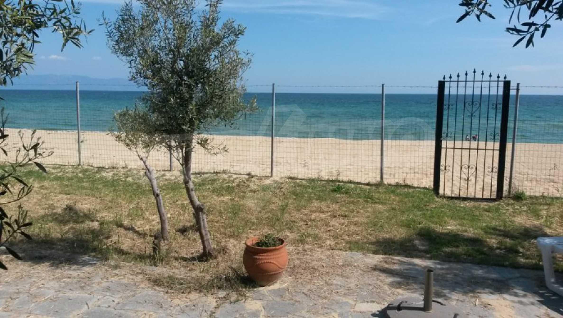 Вила с директен достъп до плажа в Неа Перамос
