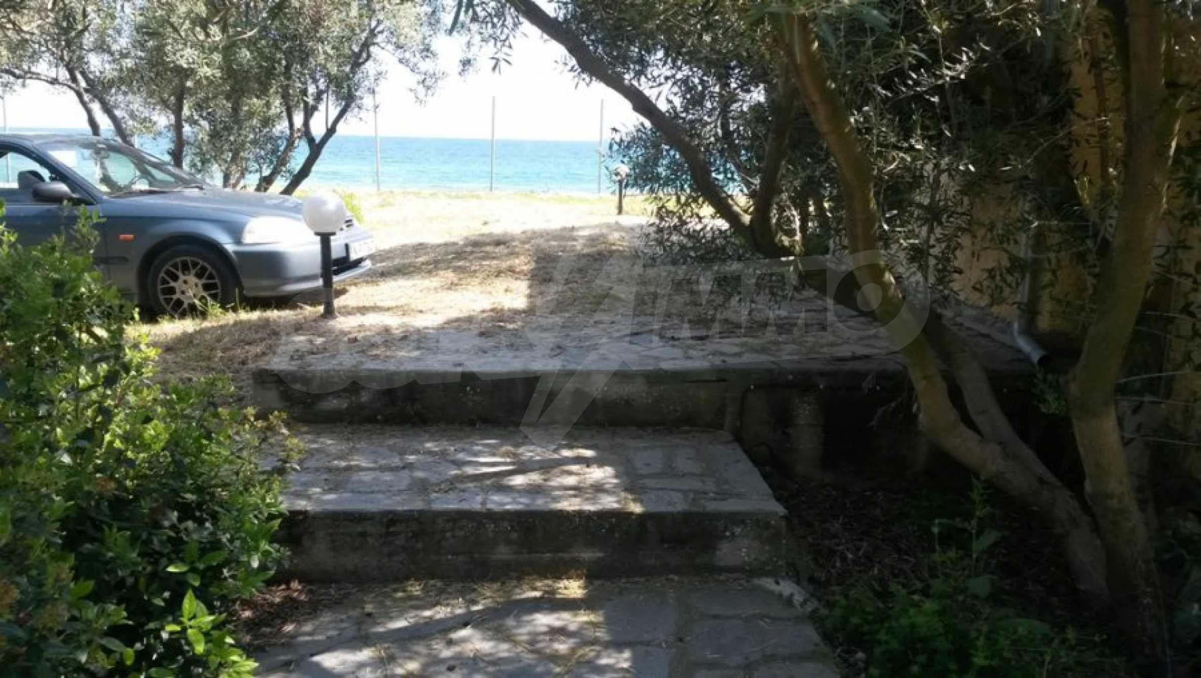 Вила с директен достъп до плажа в Неа Перамос 18