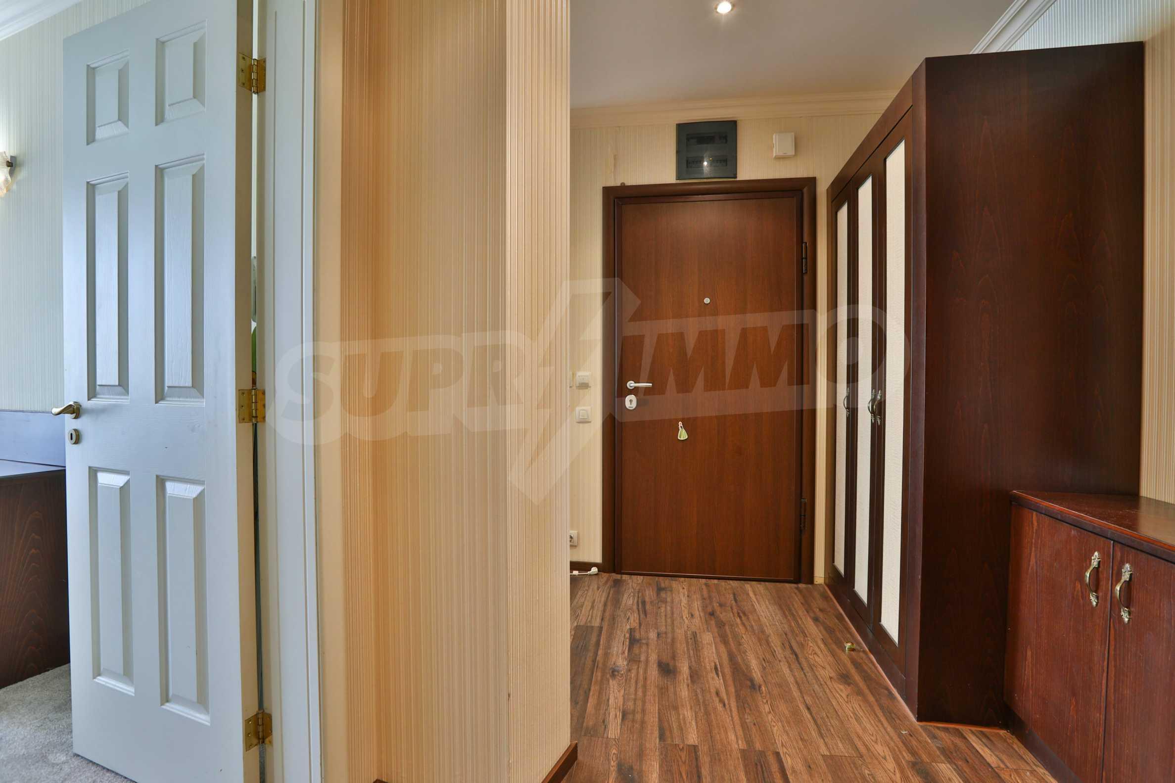 Двустаен апартамент в к-с от затворен тип в кв. Борово 11