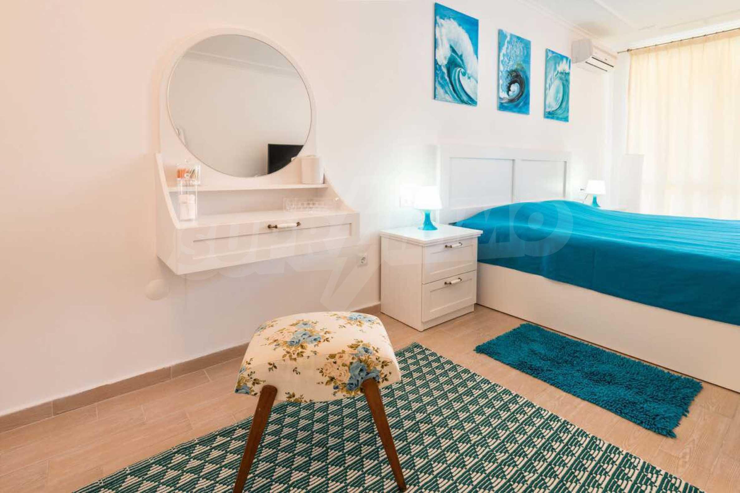 Стилен тристаен апартамент в гр. Черноморец 18