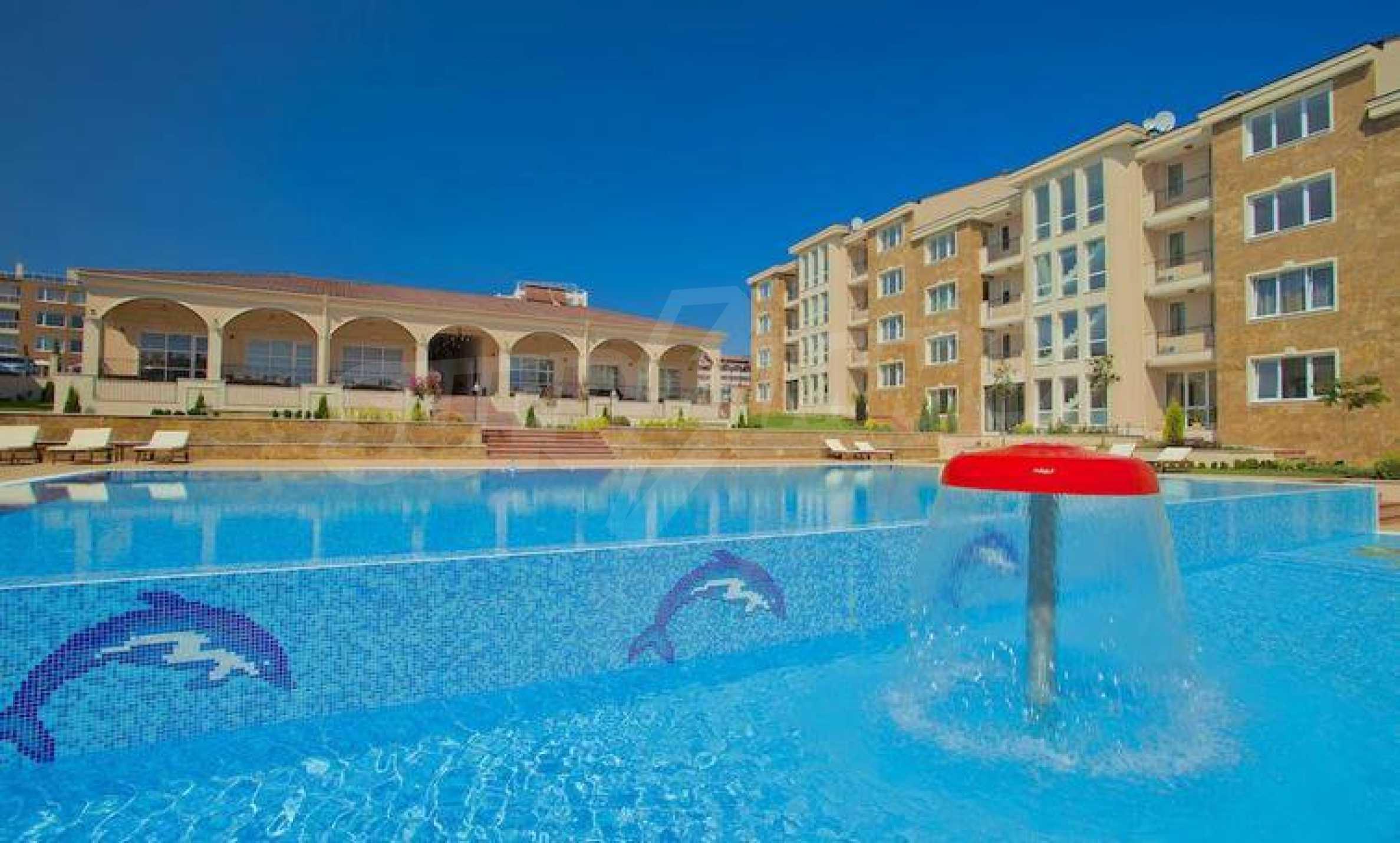 Стилен тристаен апартамент в гр. Черноморец 1